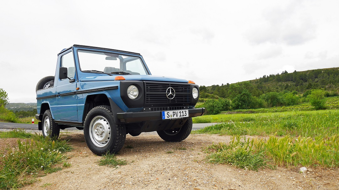 Mercedes-Benz G-wagen Blue Grass