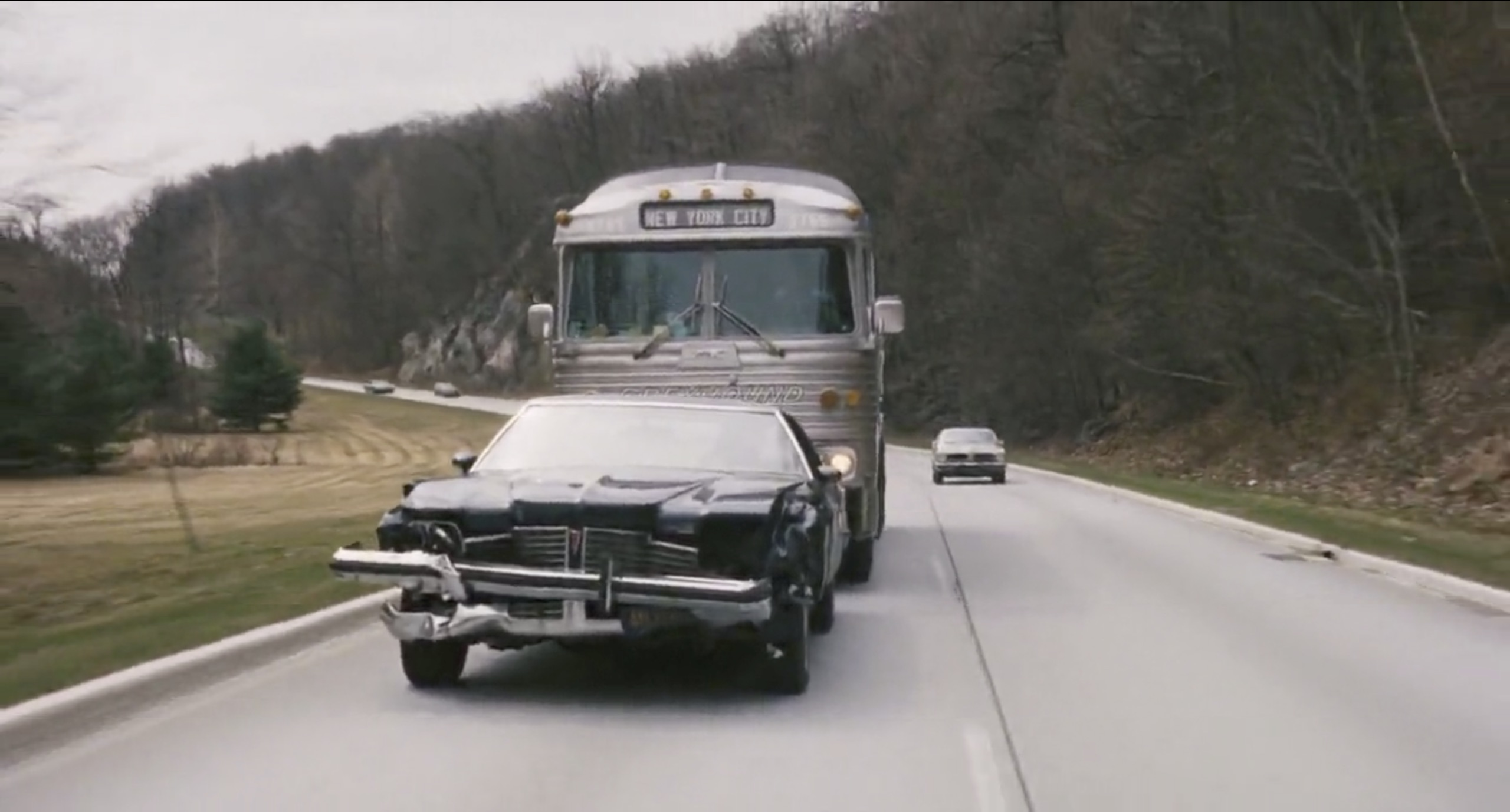 the seven ups car chase greyhound bus