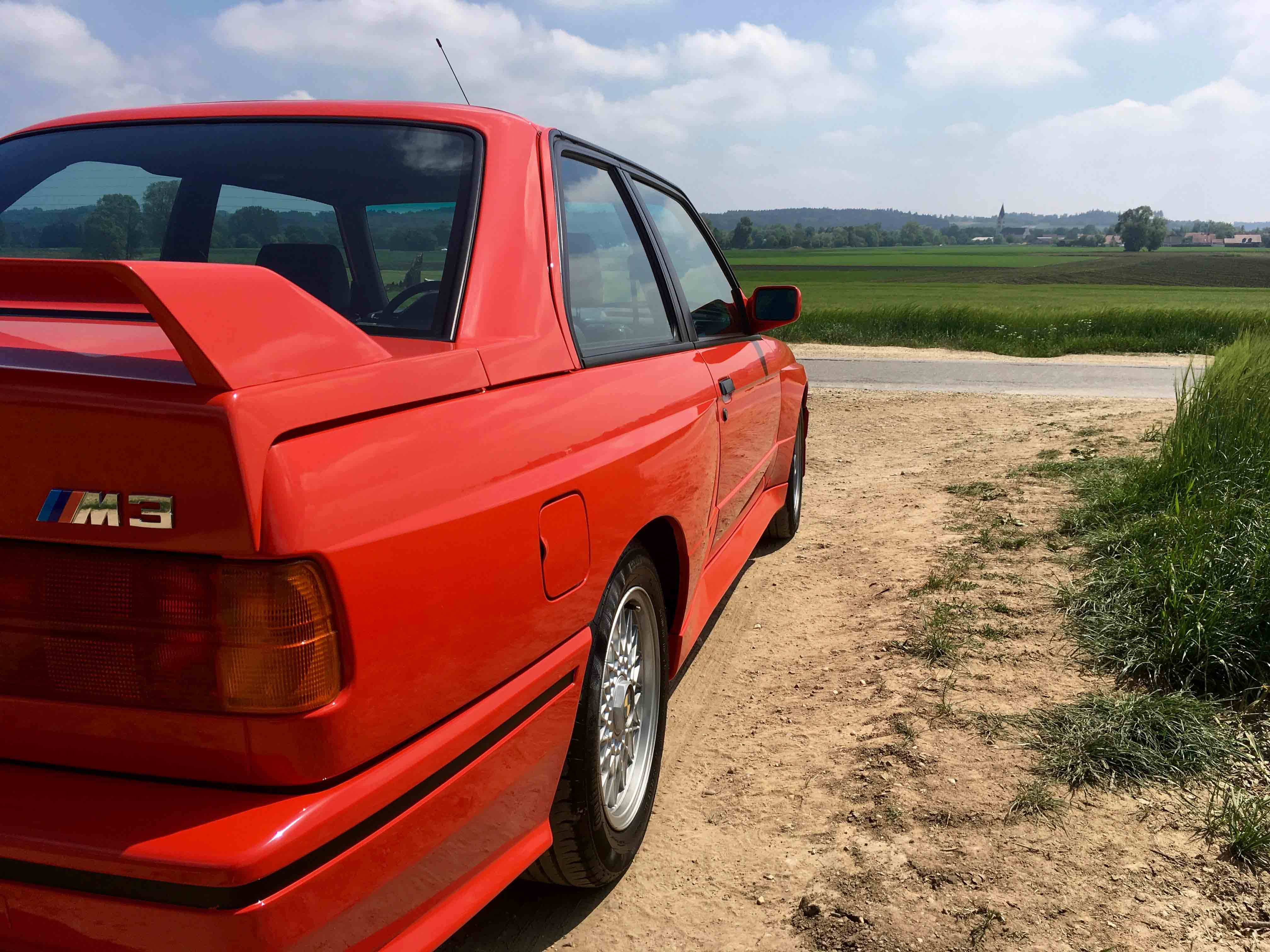 1987 BMW M3 rear wing and side