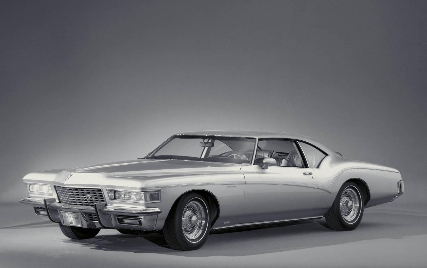 1972 Buick Riviera press photo