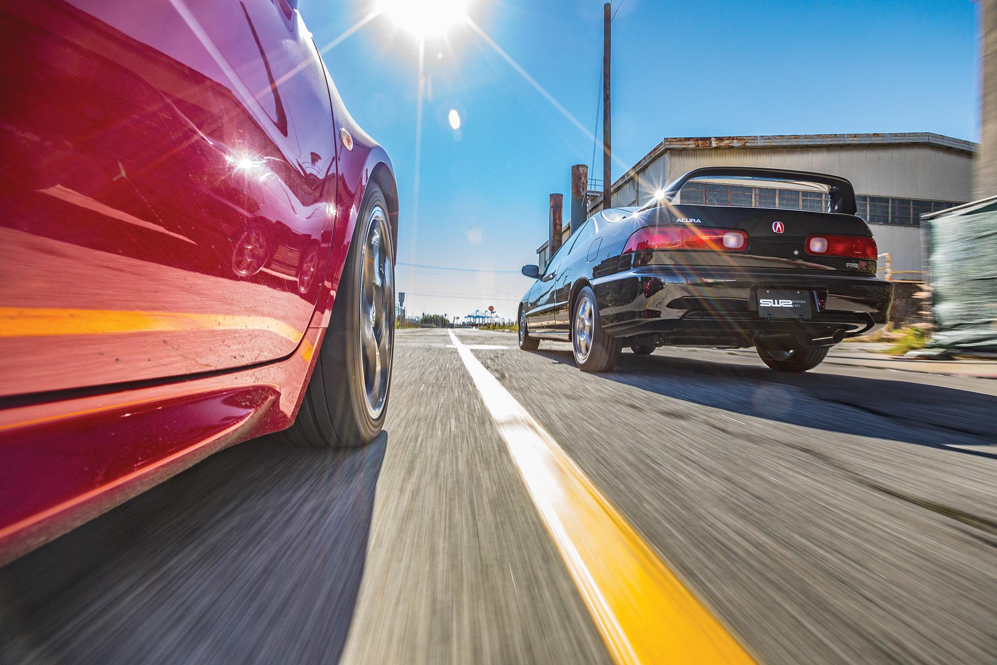 Acura Integra Type R and Alfa Romeo 4C Comparo