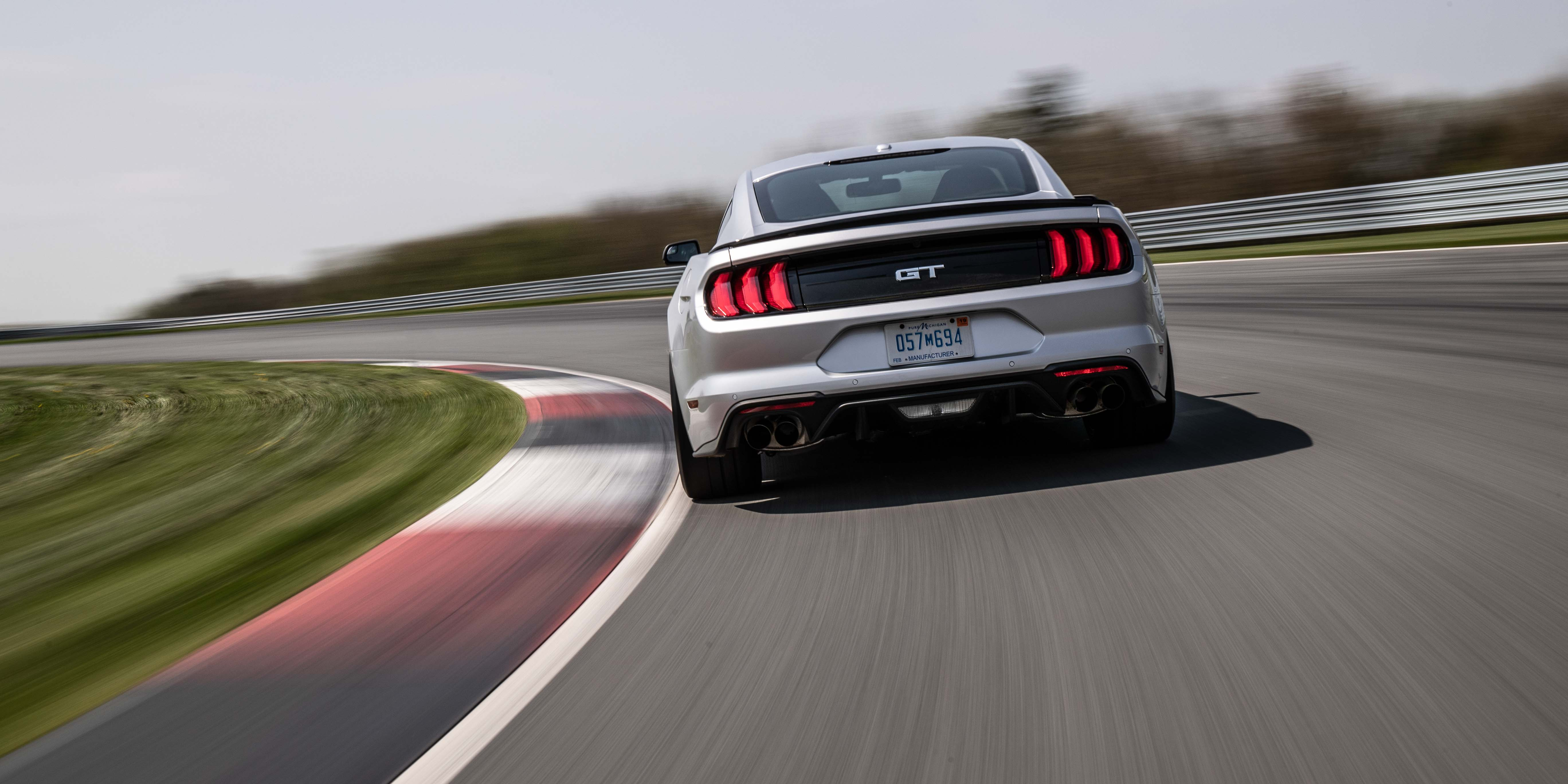 2018 Ford Mustang GT Performance Pack 2 rear curve