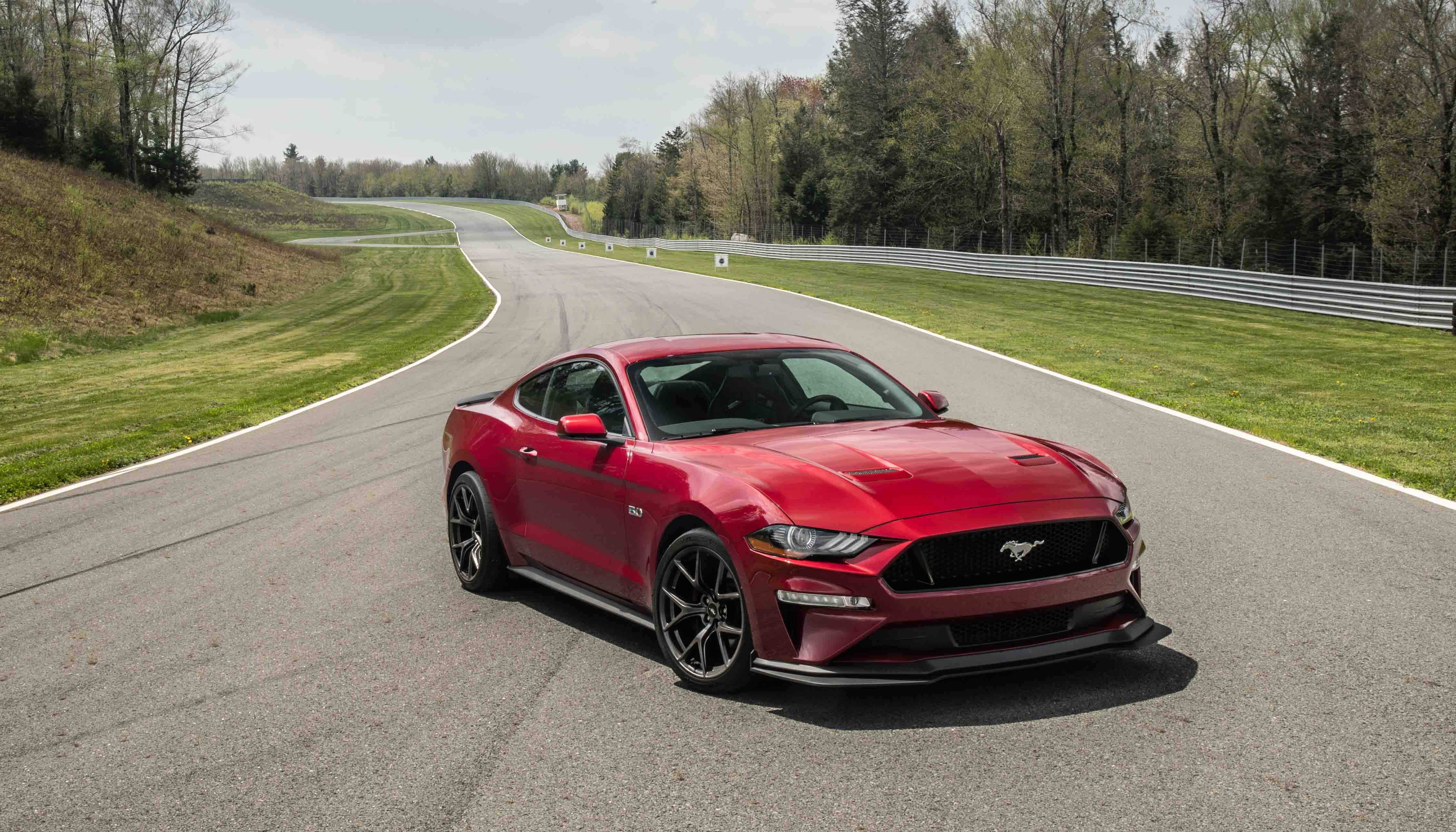 2018 Ford Mustang GT Performance Pack 2 red 3/4 high