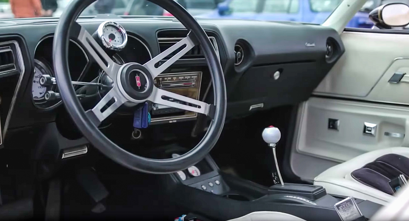 1975 Hurst Oldsmobile Colonnade W-30 Interior Steering wheel