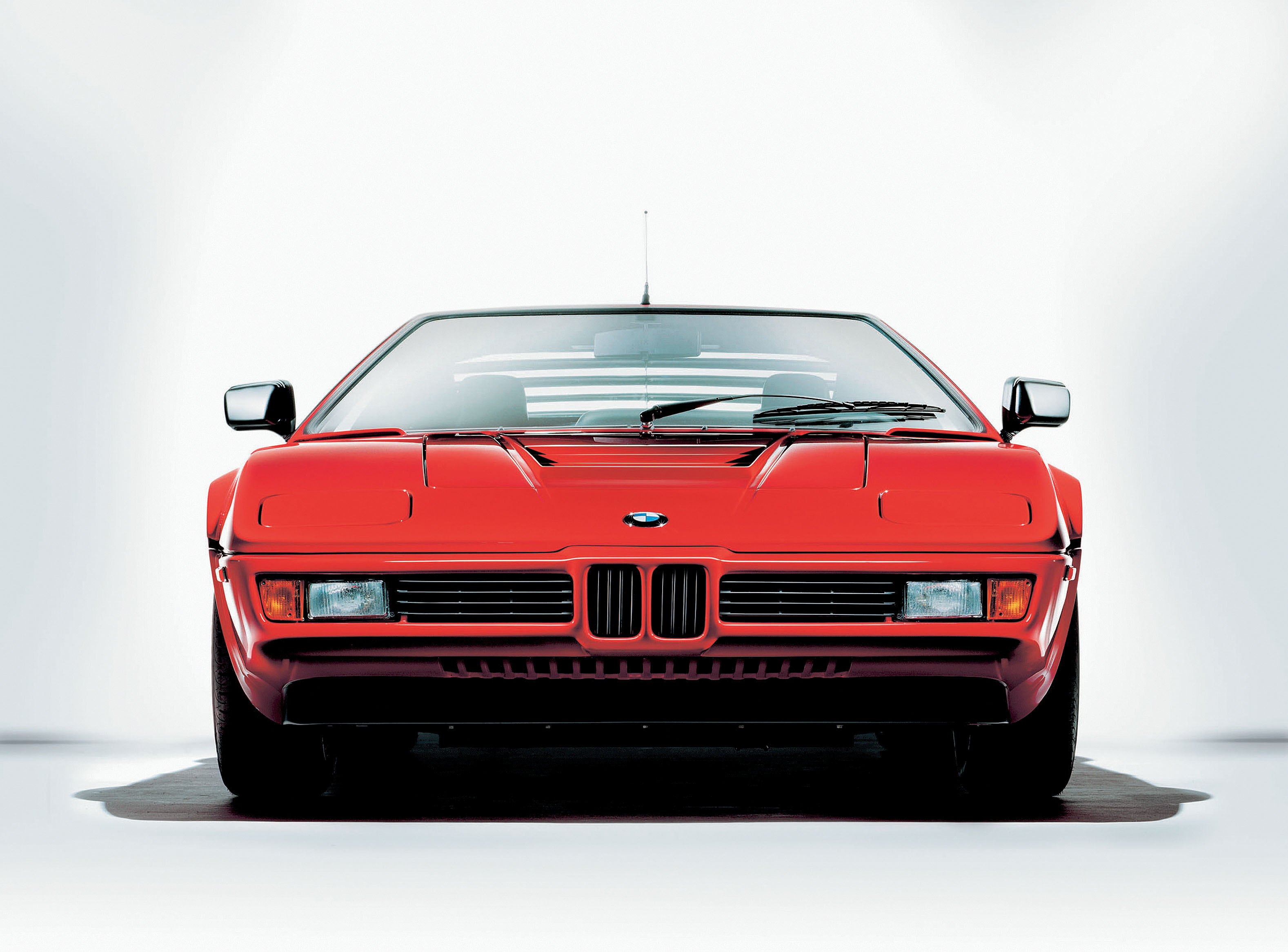 BMW M1 Front head on low