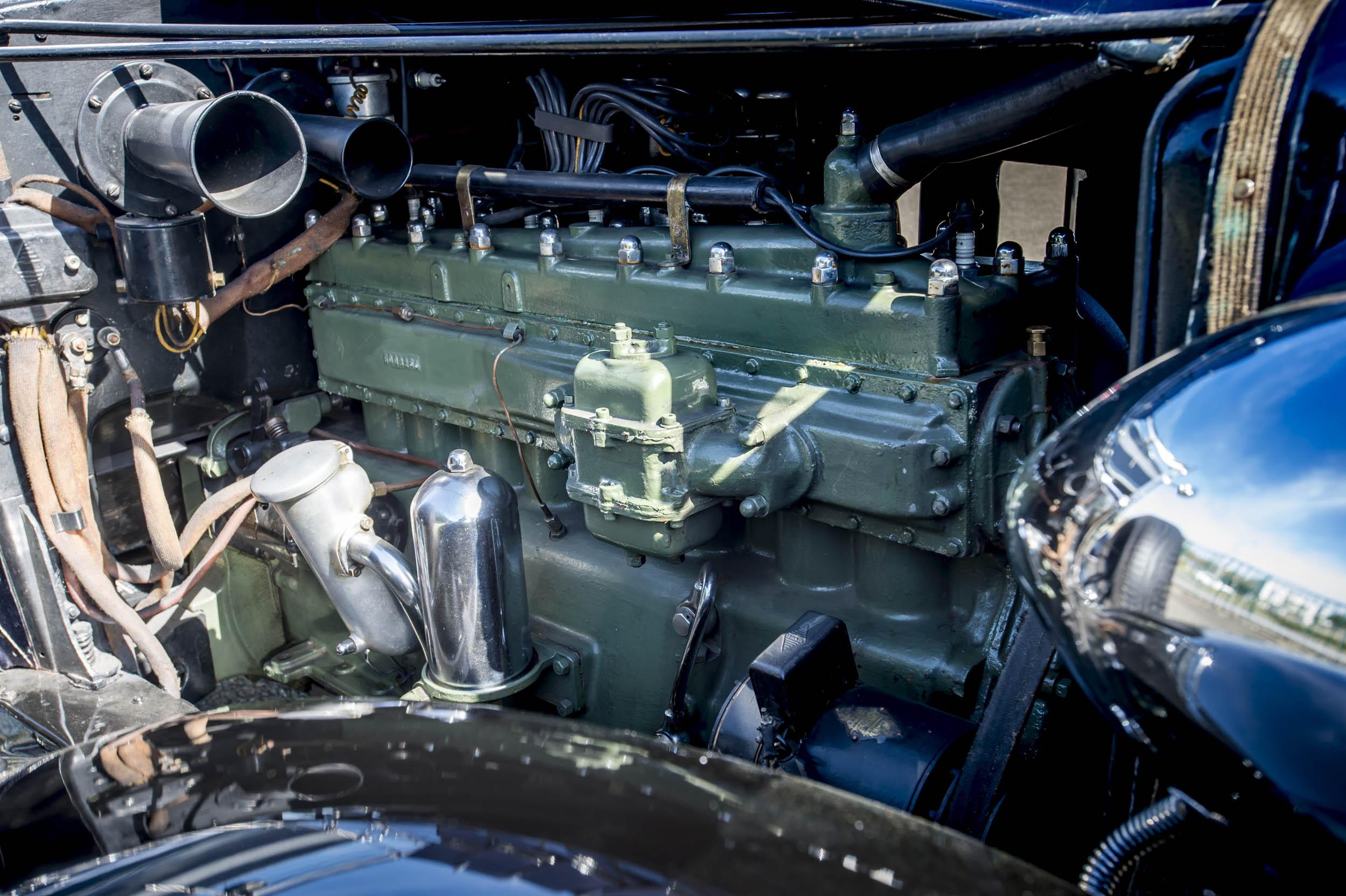 1929 renault nervastella coupe de ville engine close-up