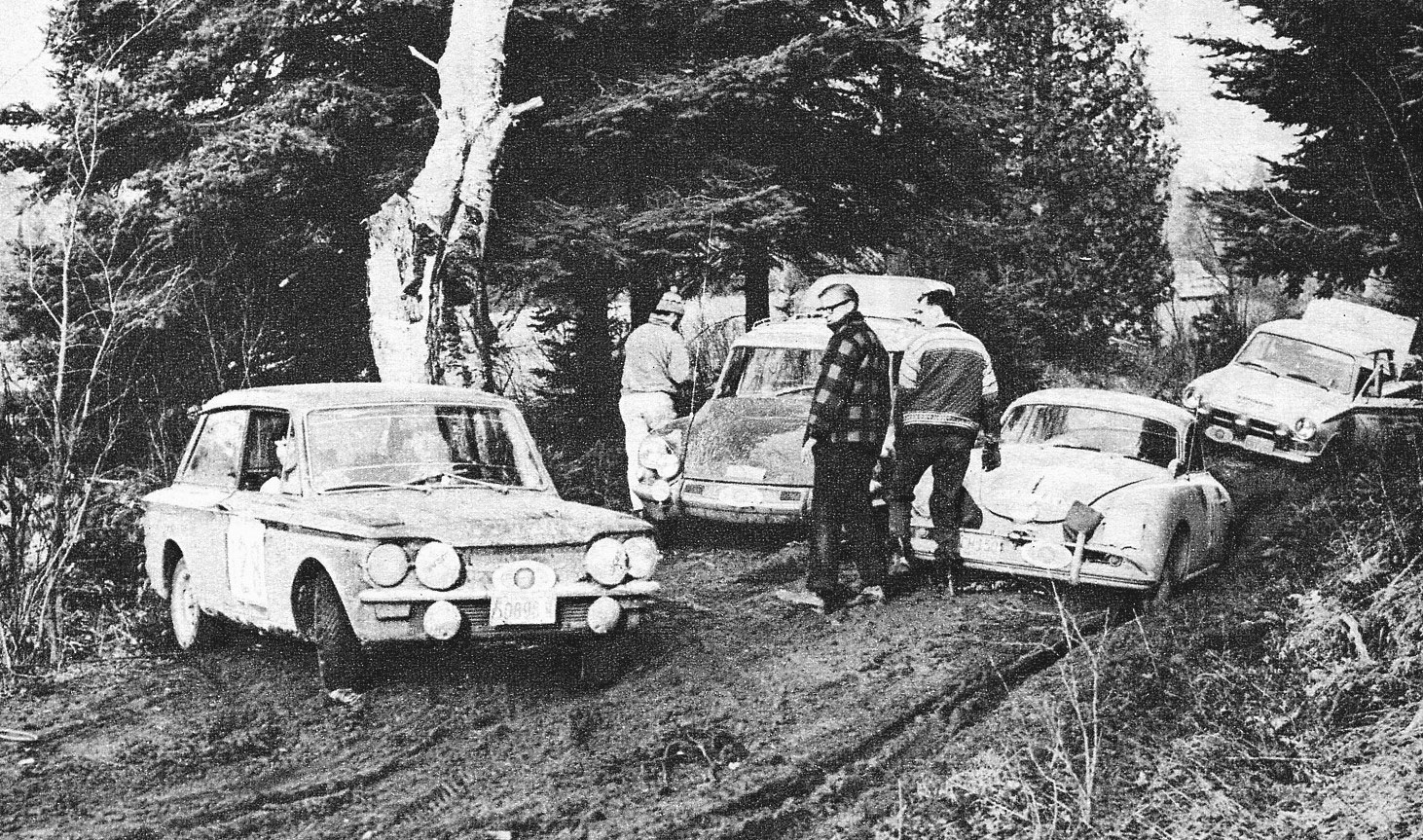 Rosemary Smith (left) leaves the road to bypass a bogged-down trio of competitors in 1968