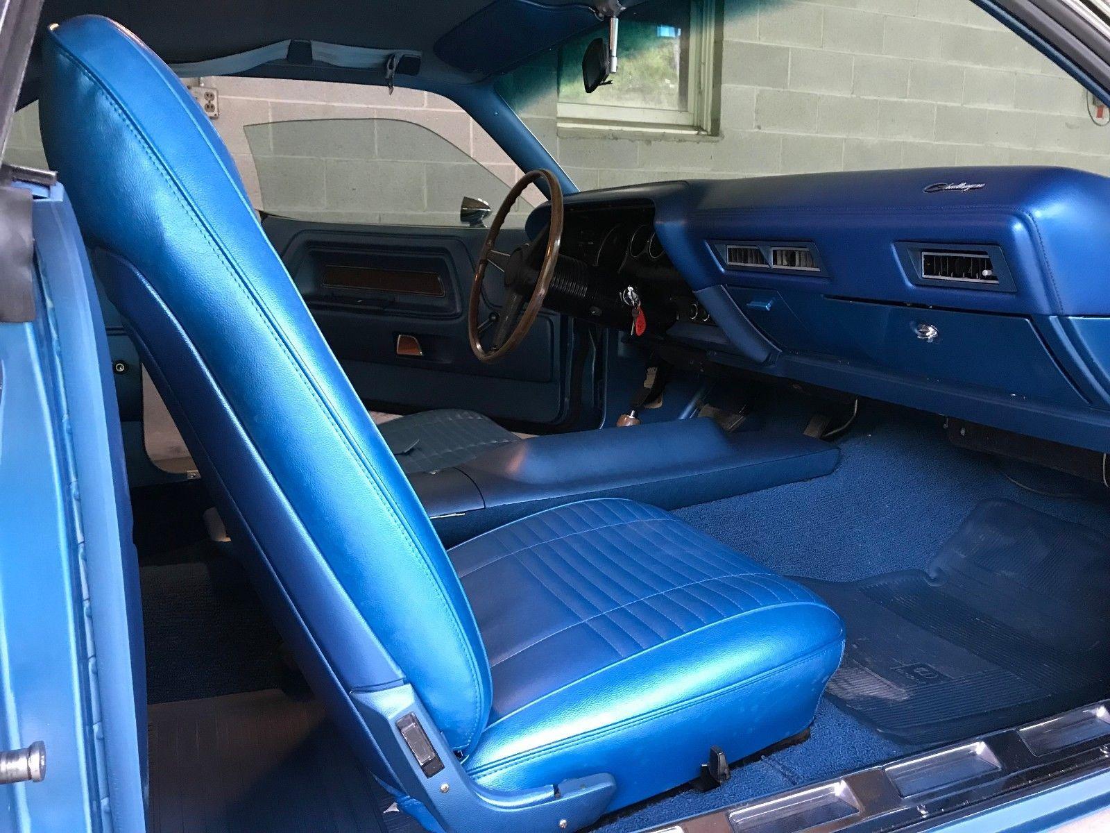 1970 Dodge Challenger interior