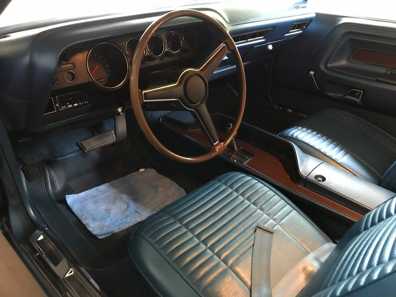 1970 Dodge Challenger drivers seat
