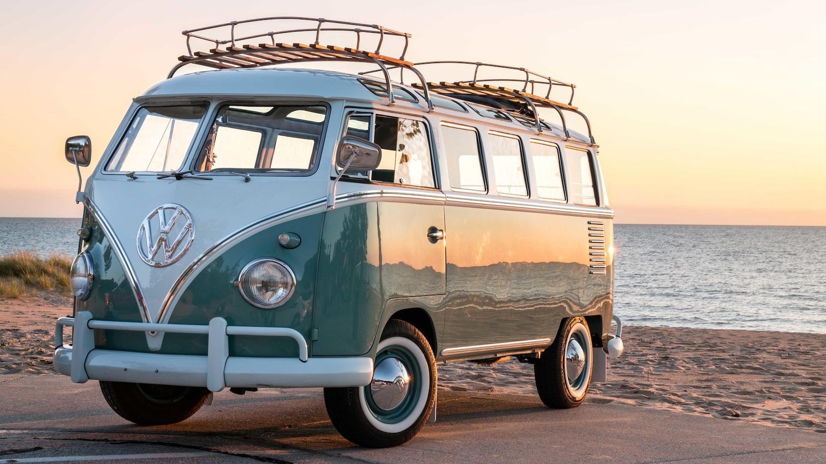 1959 Volkswagen Type 2 Samba Microbus, 23-Window