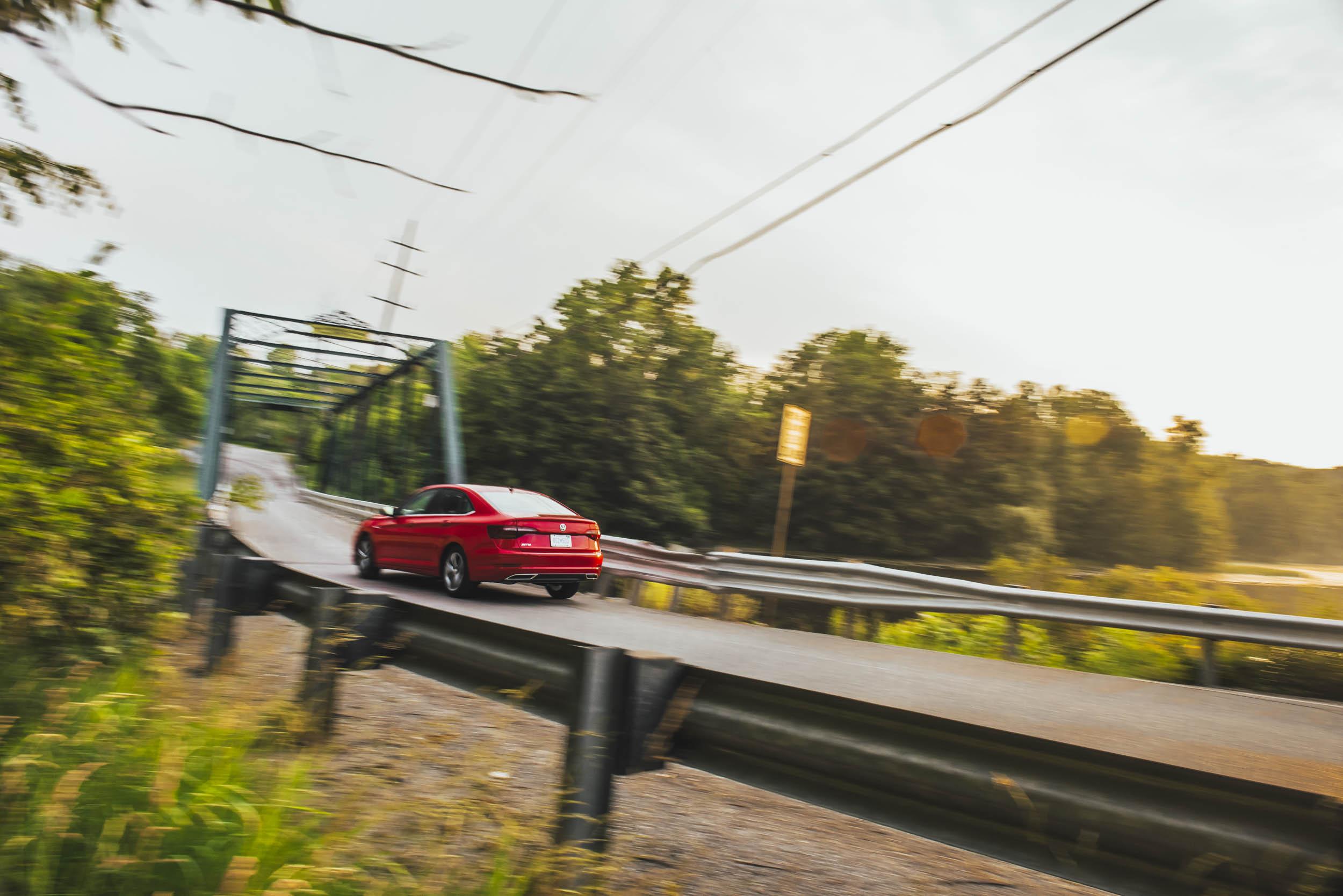 volkswagen jetta r-line driving away