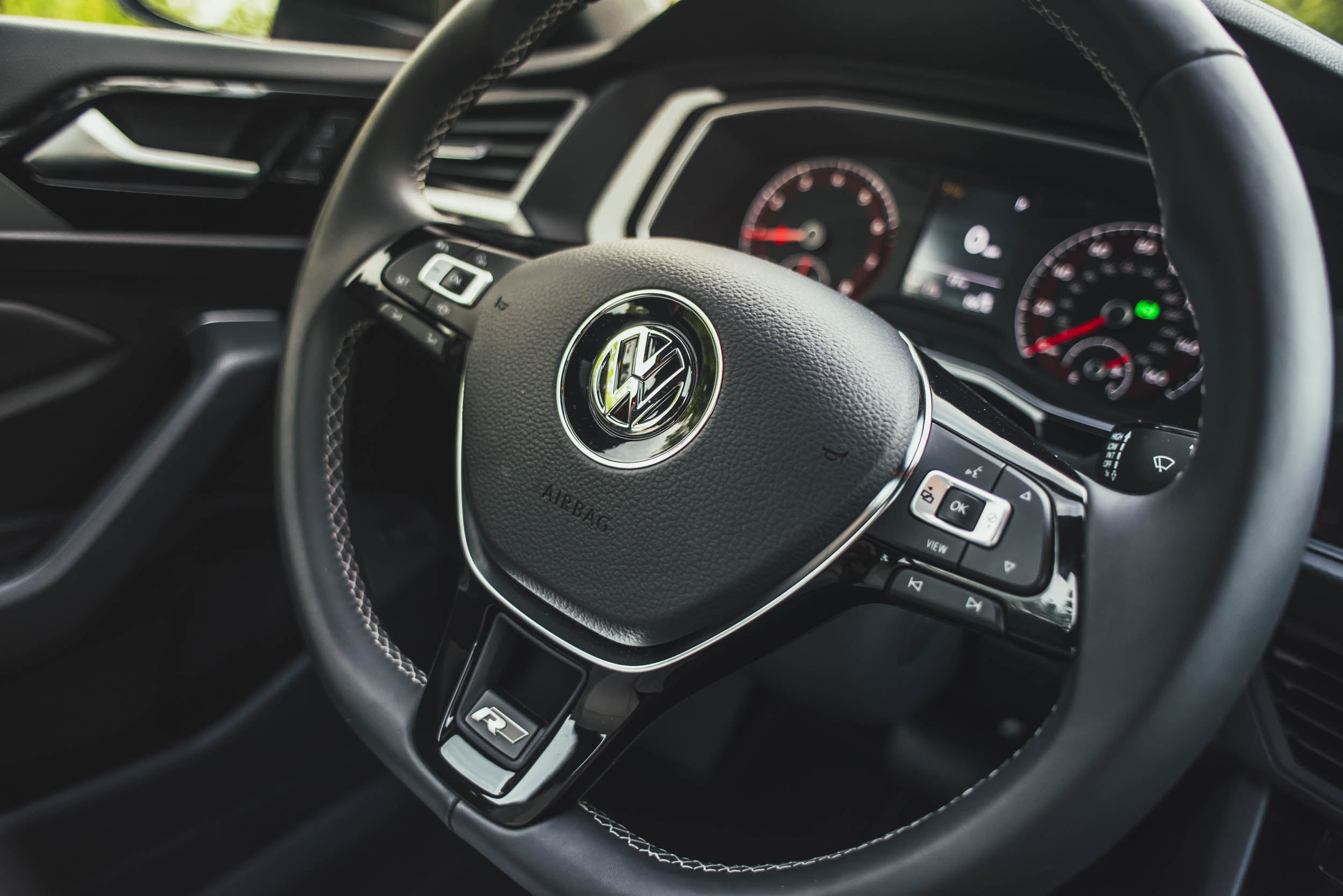 volkswagen jetta r-line steering wheel