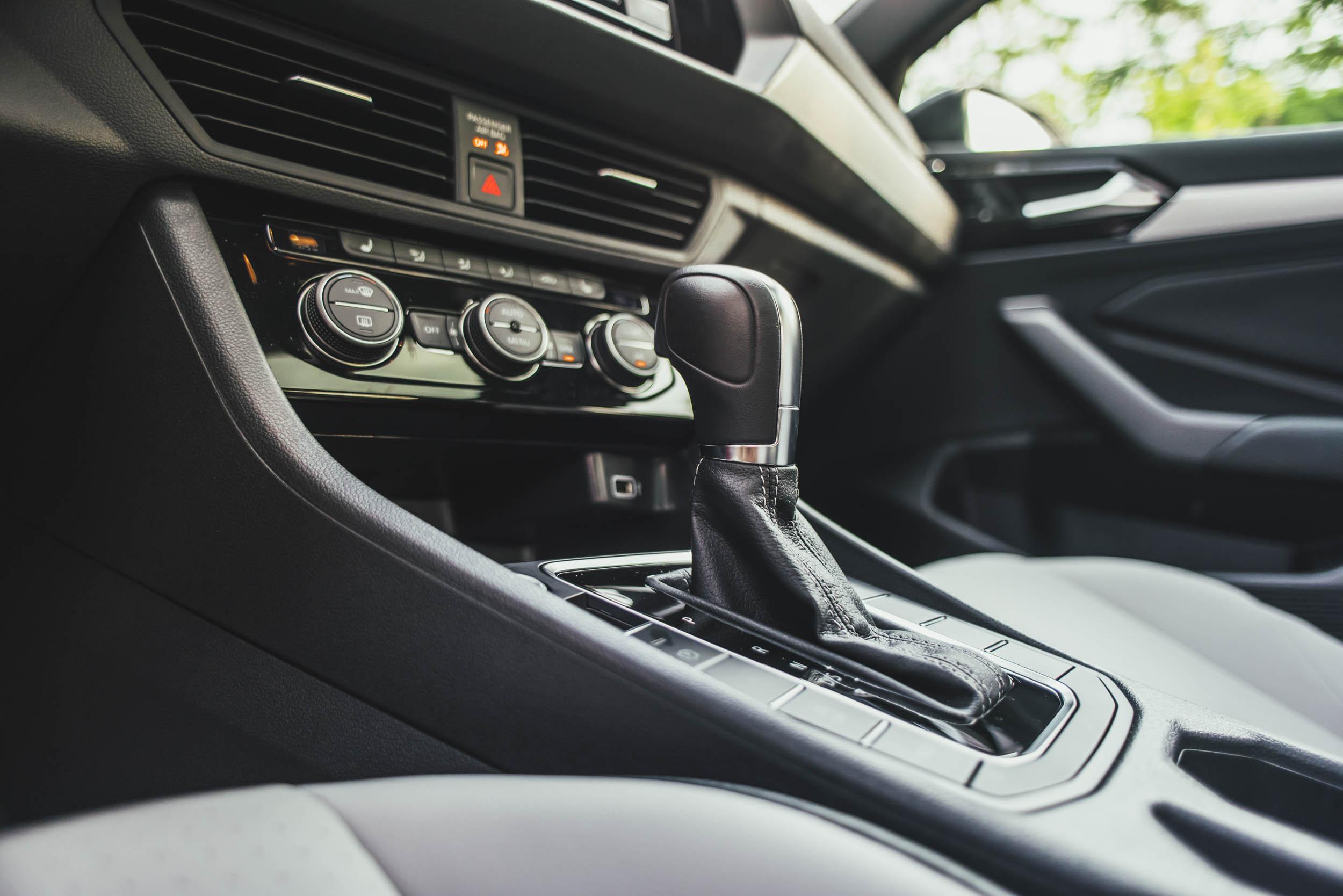 volkswagen jetta r-line gearshift