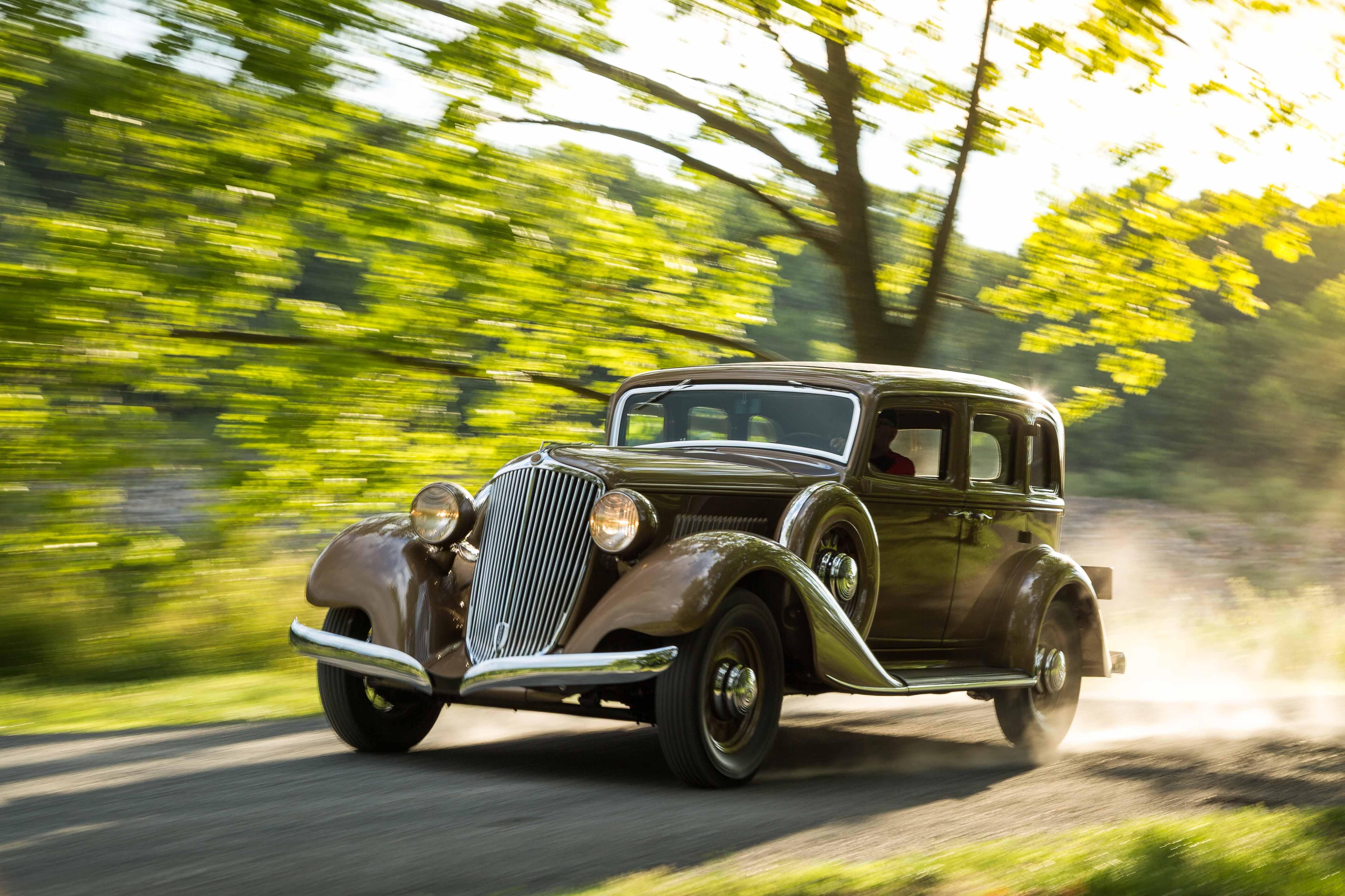 1932 Graham Blue Streak on the road