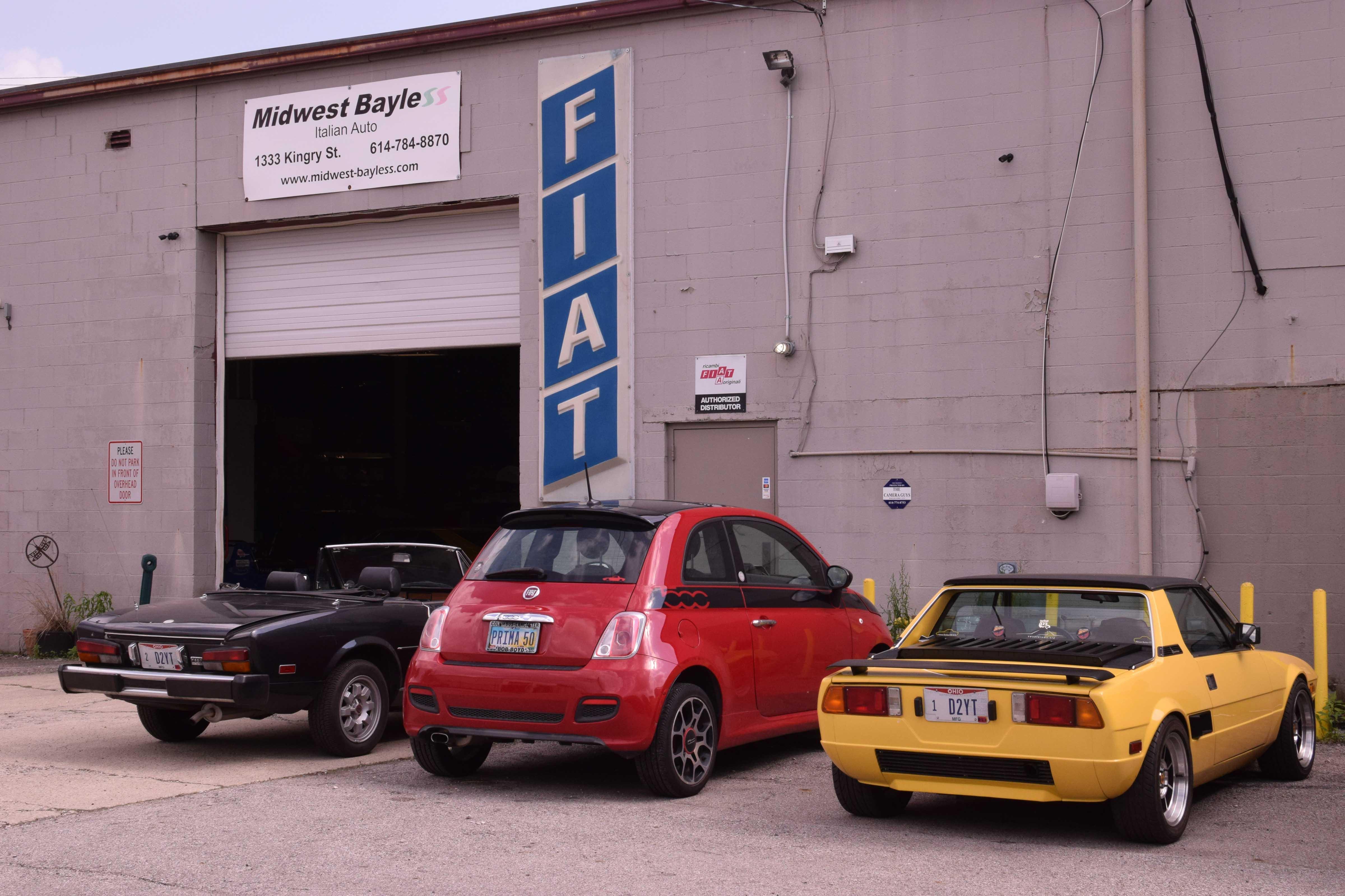 Fiat Shop cars parked