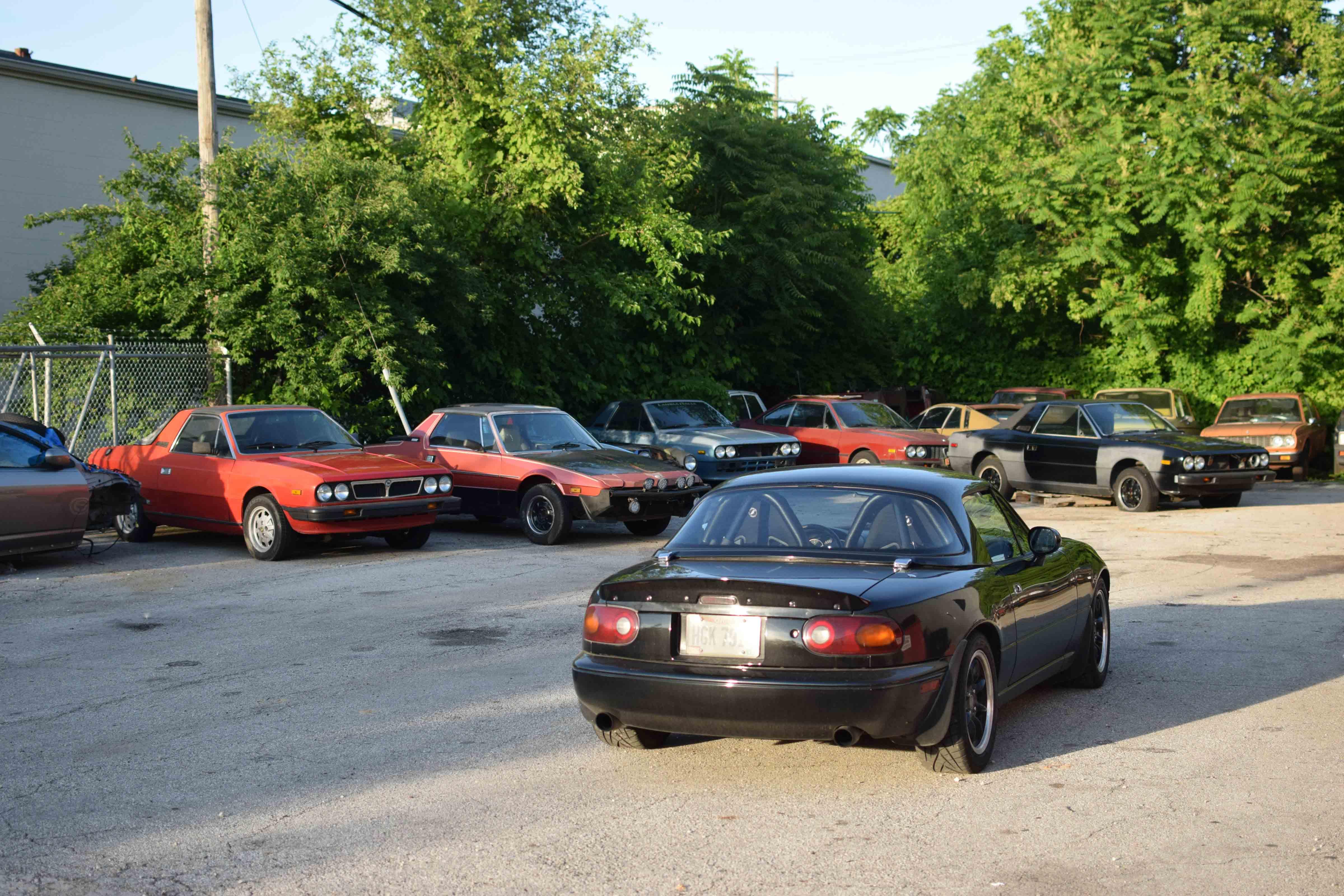 fiat shop parking lot x19 miata