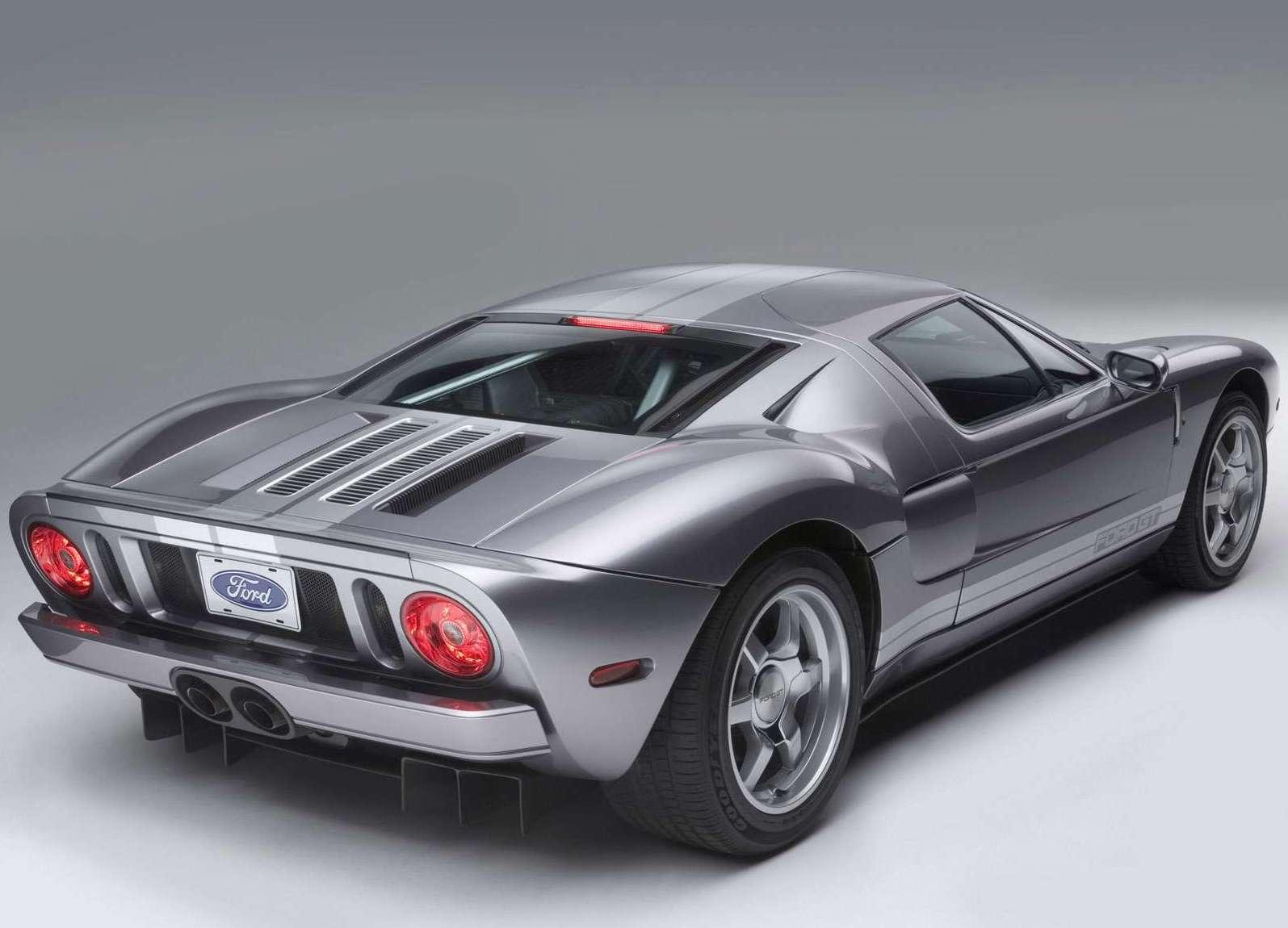 2006 Ford GT silver rear