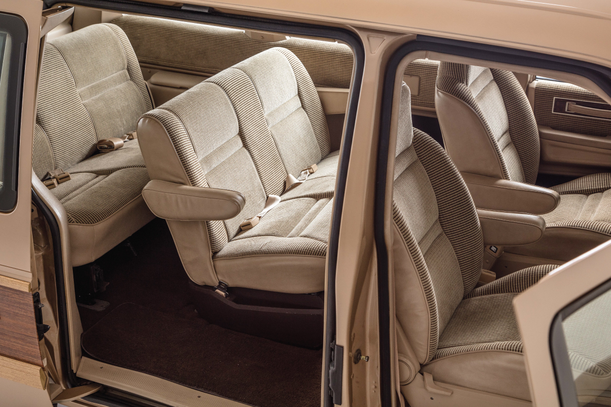 1984 Plymouth Voyager side door