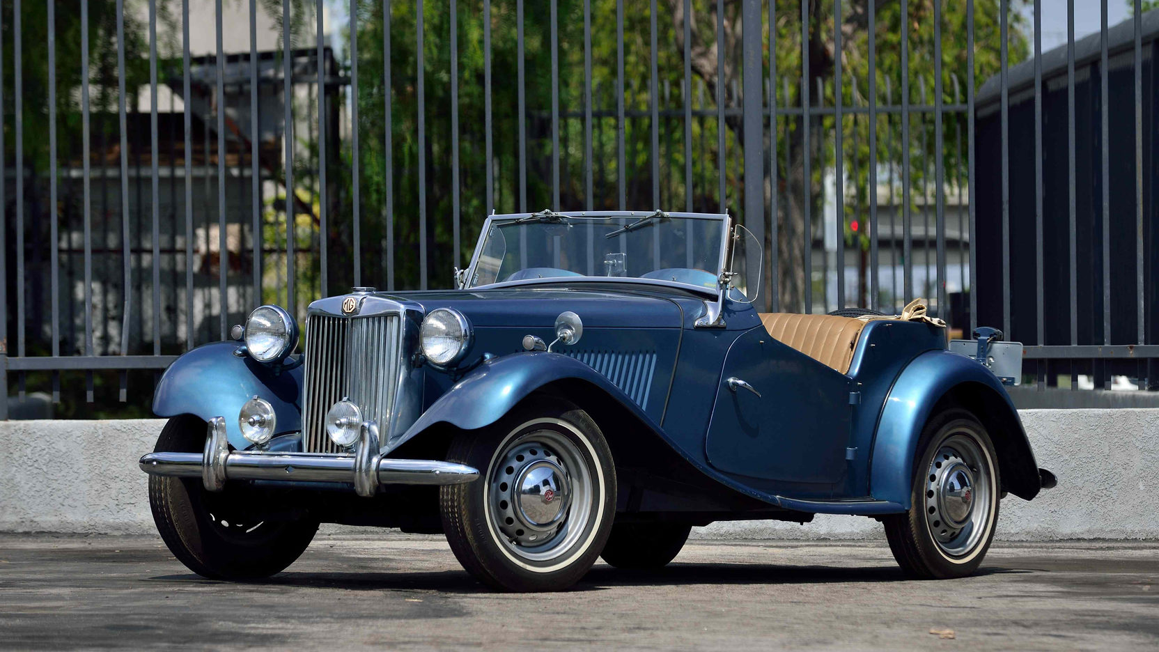 1953 MG TD blue front 3/4
