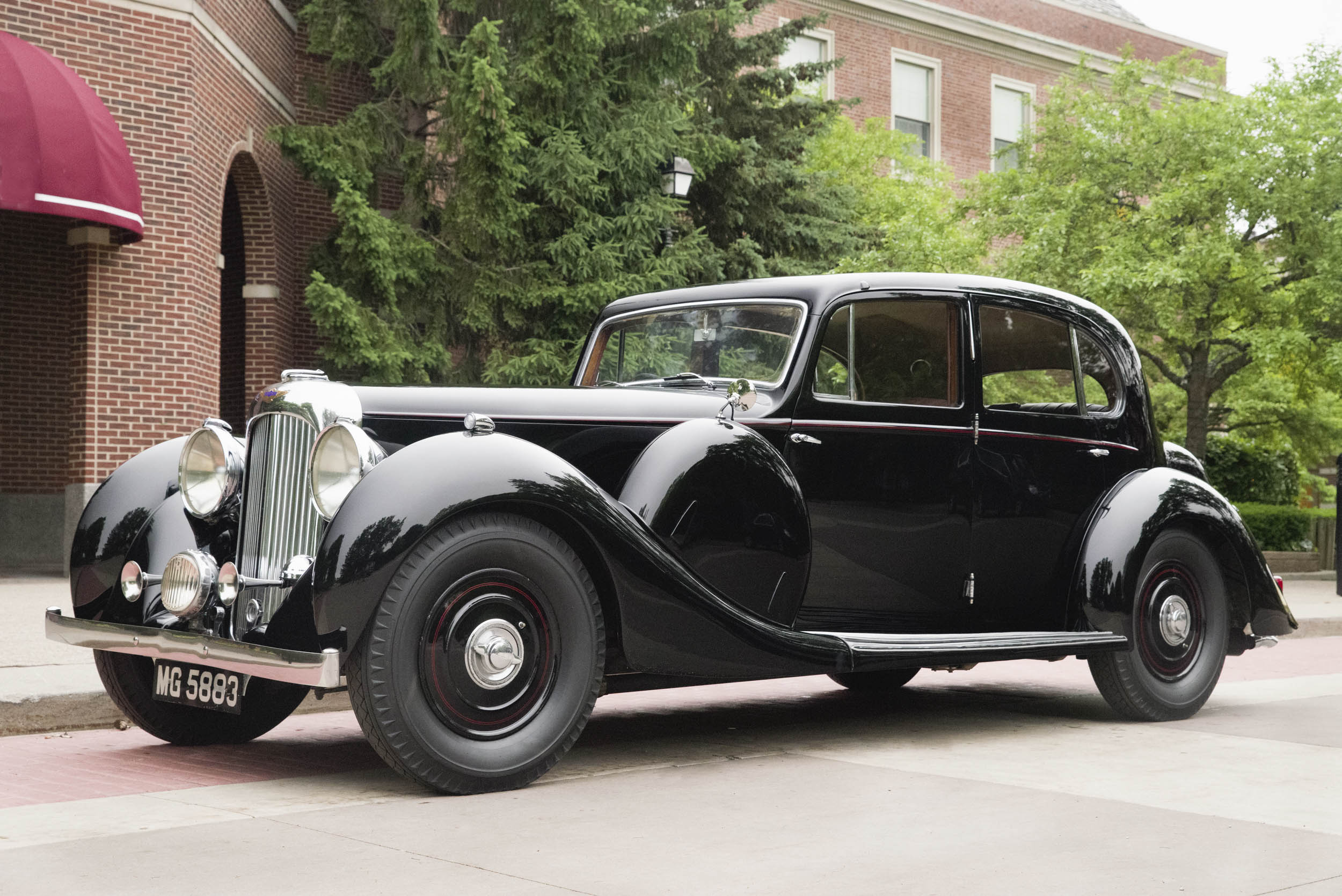 The rear section of the Dagostino's Lagonda was reportedly stretched a few inches at the factory and the body was mounted on an optional longer chassis.