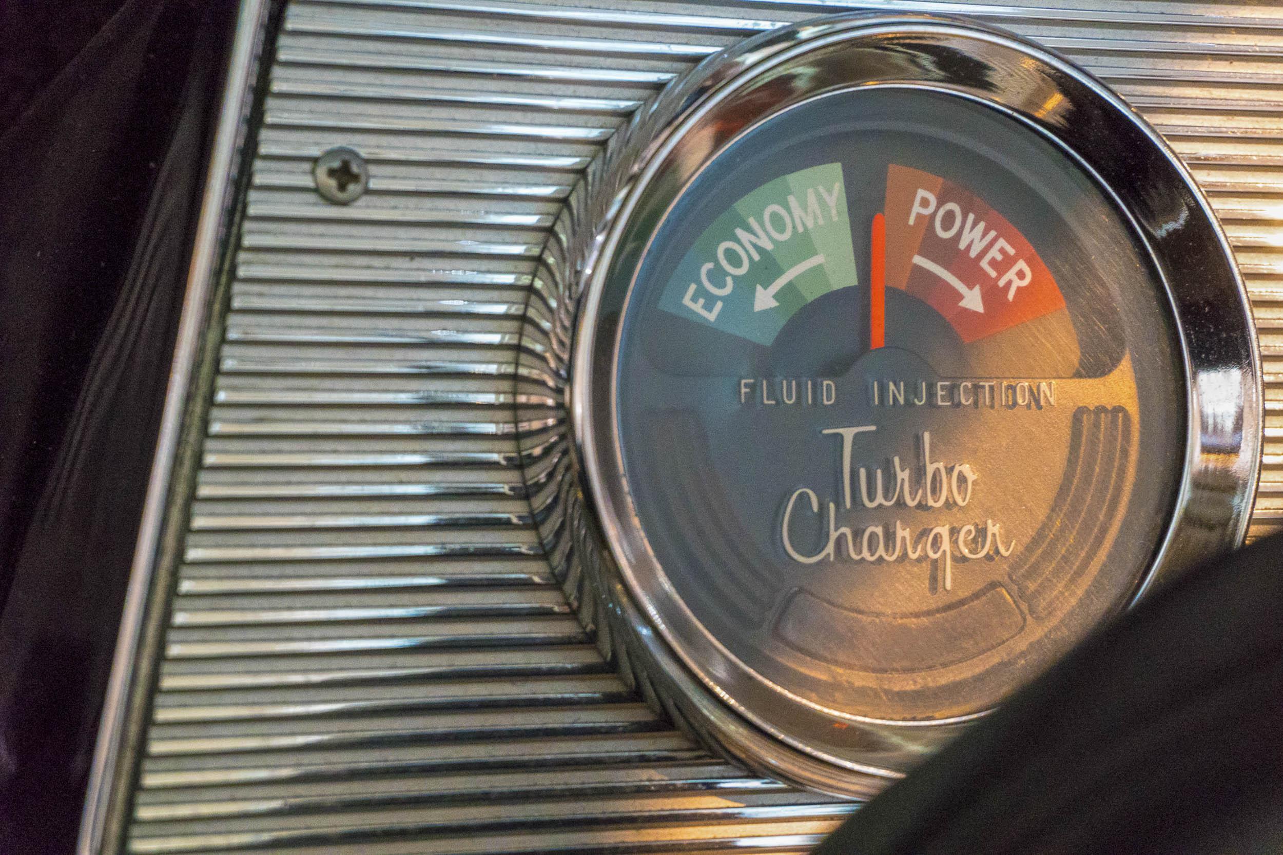 gauge featuring a low Rocket Fluid warning light