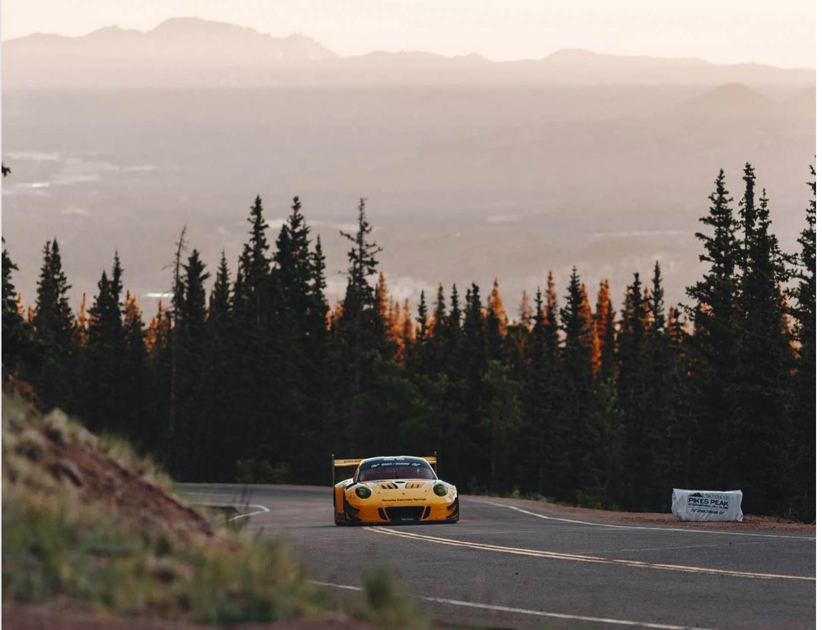car climbing Pikes Peak