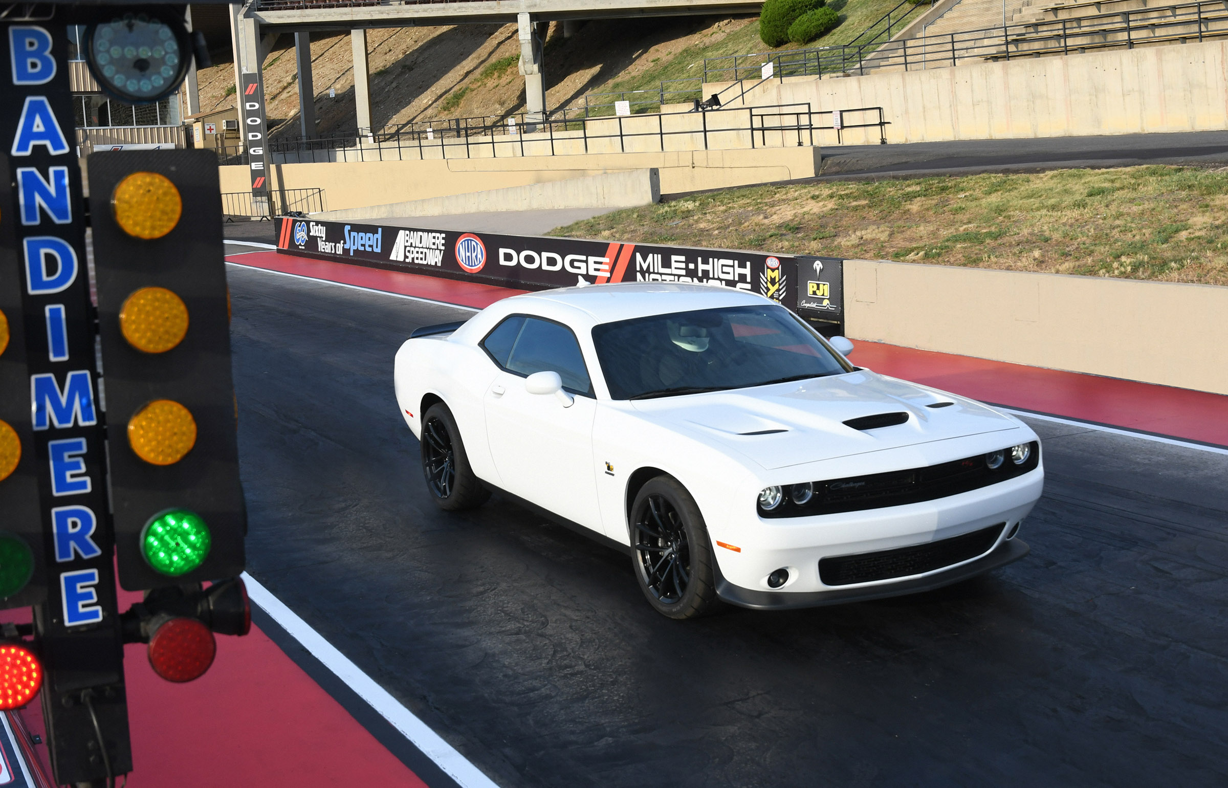 2019 Dodge Challenger R/T Scat Pack 1320 line up at start drag race