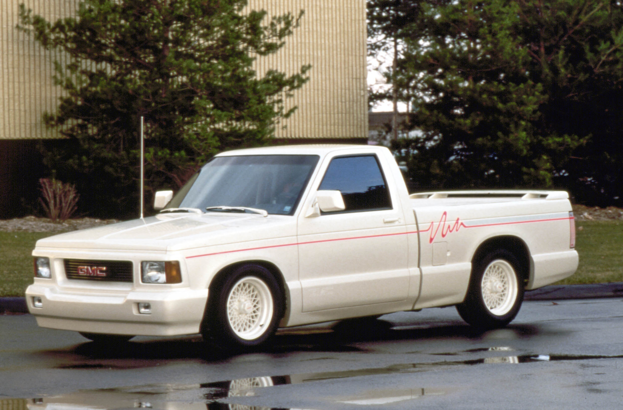 The '90s were in full effect on this 1991 GMC Sonoma Syclone design proposal even if the production Syclone was only available in black. There was quite probably a Sweetheart wax paper cup dispenser somewhere in or near the design building.