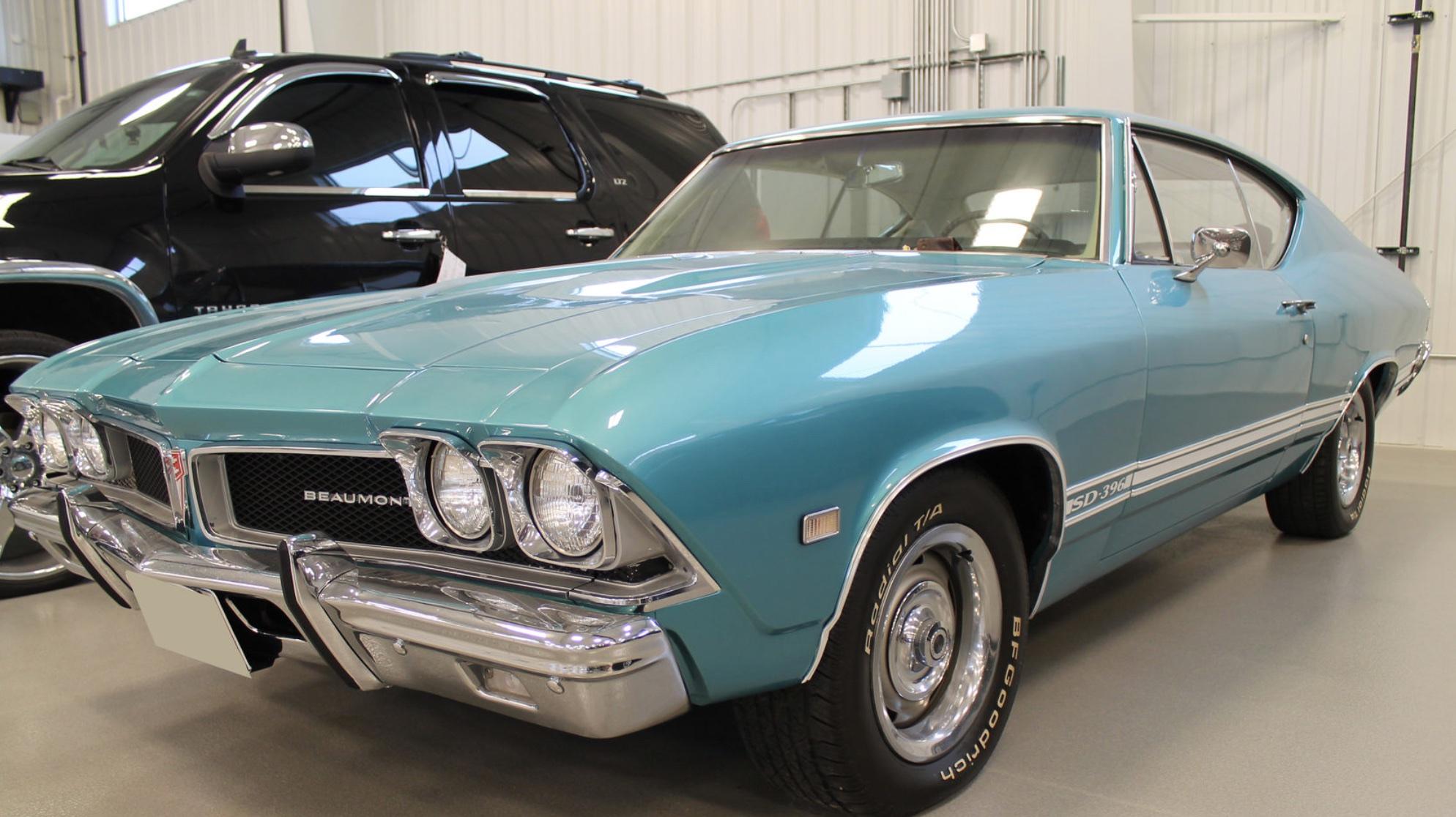 1968 Beaumont SD 396 blue front 3/4 auction