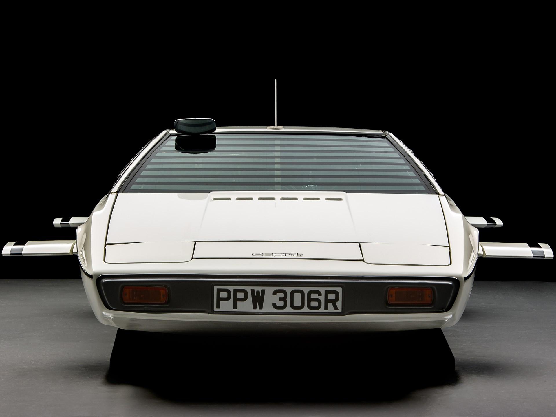 007 Lotus Esprit 'Submarine Car' front head on