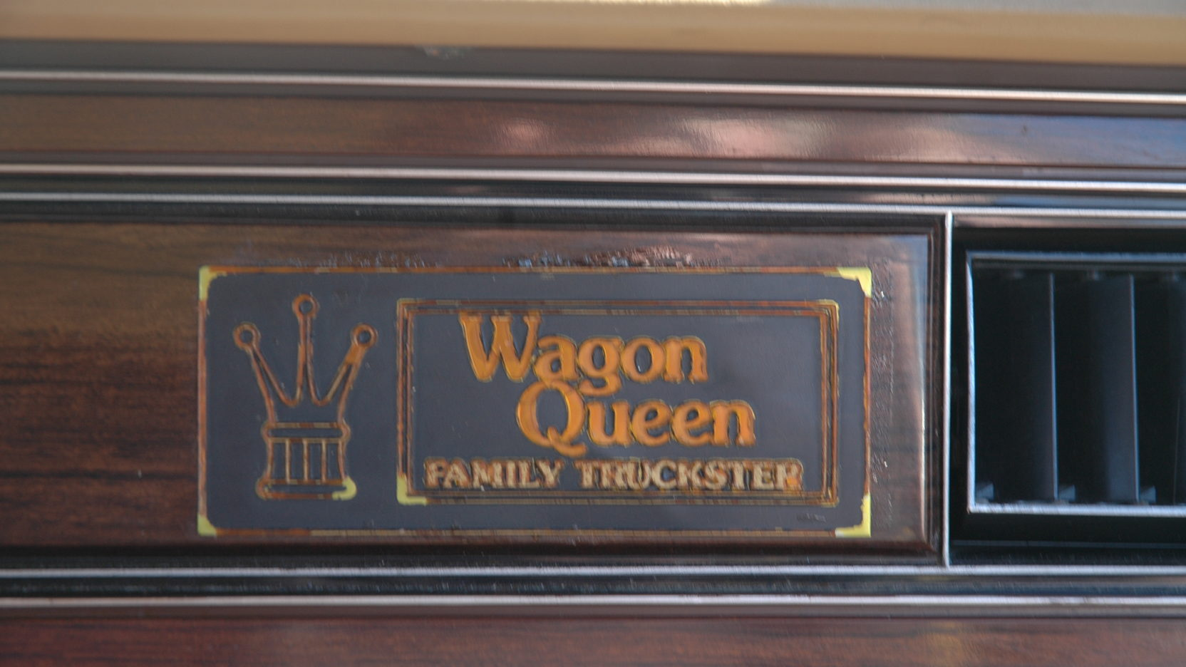 National Lampoon's Family Vacation Wagon Queen Family Truckster