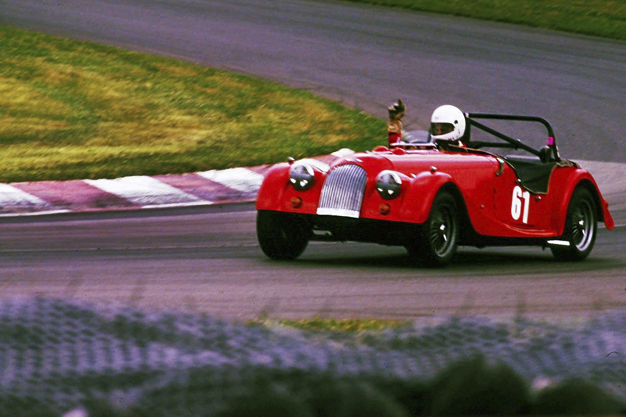 Morgan Plus 8 racing