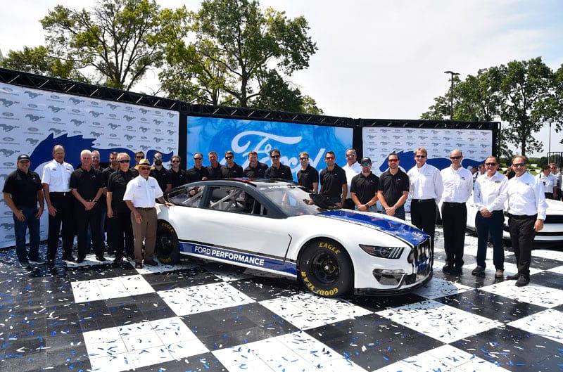 2019 NASCAR Ford Mustang team