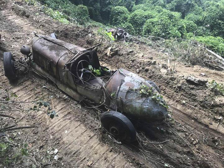 Mystery Speedster found in a field in North Carolina