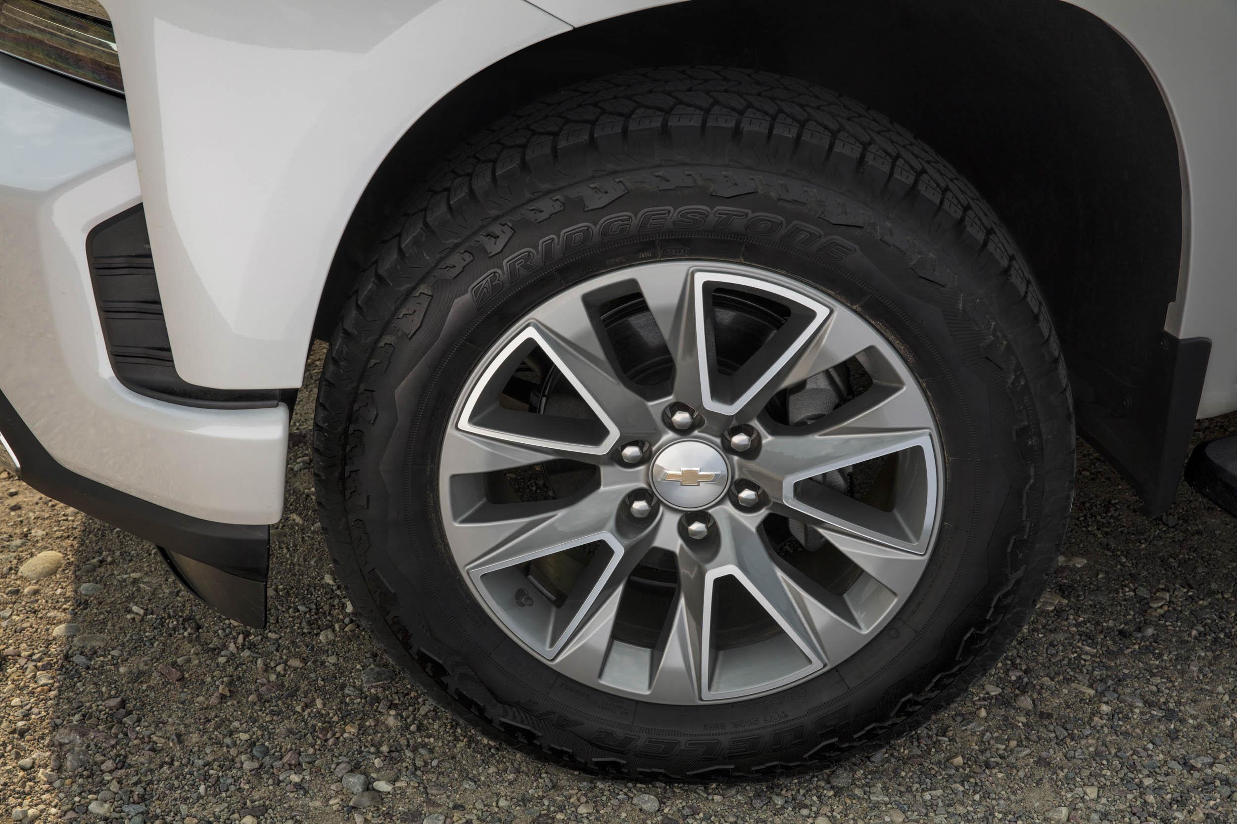 2019 chevrolet silverado high country tire