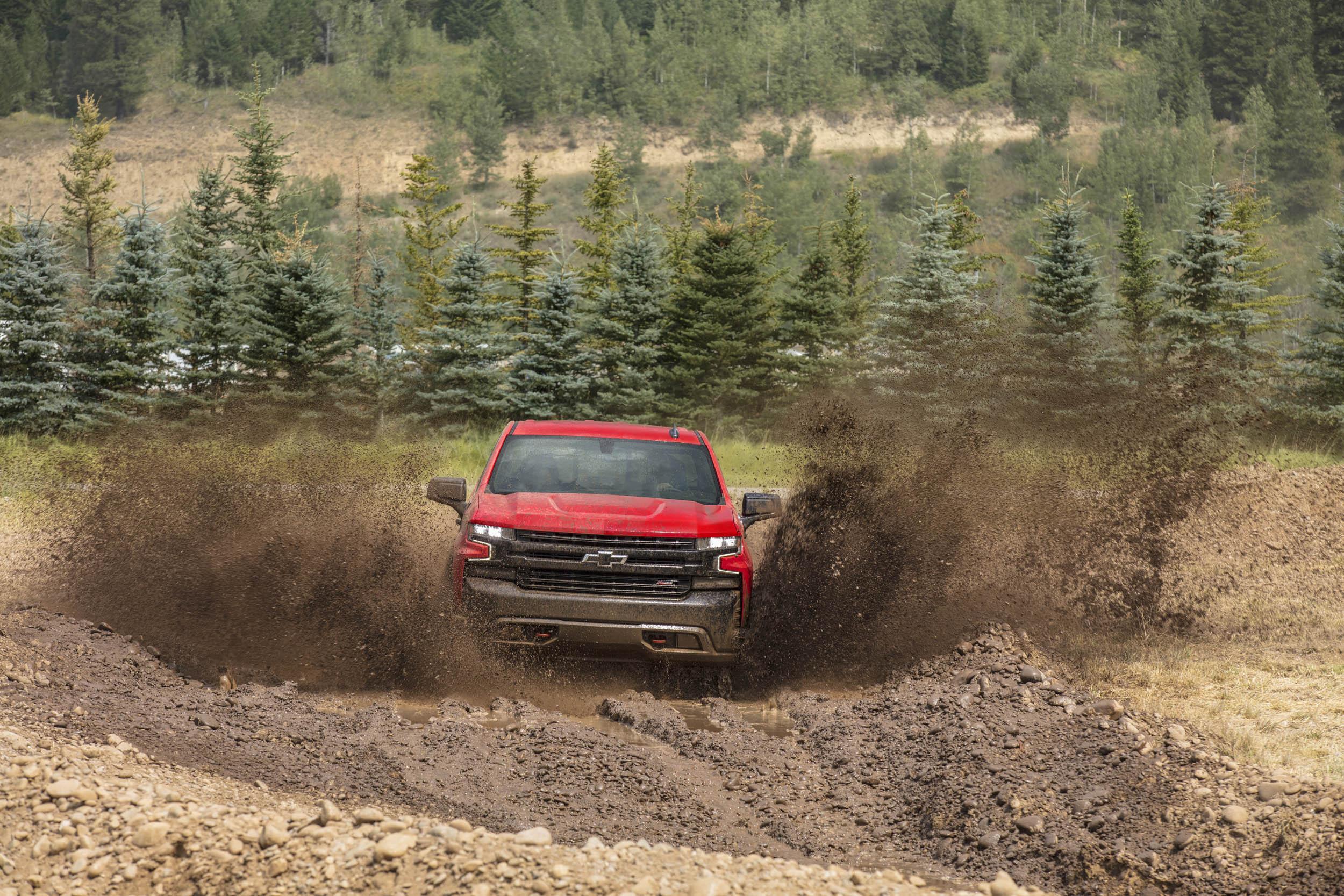 2019 chevrolet silverado Trail Boss in mud