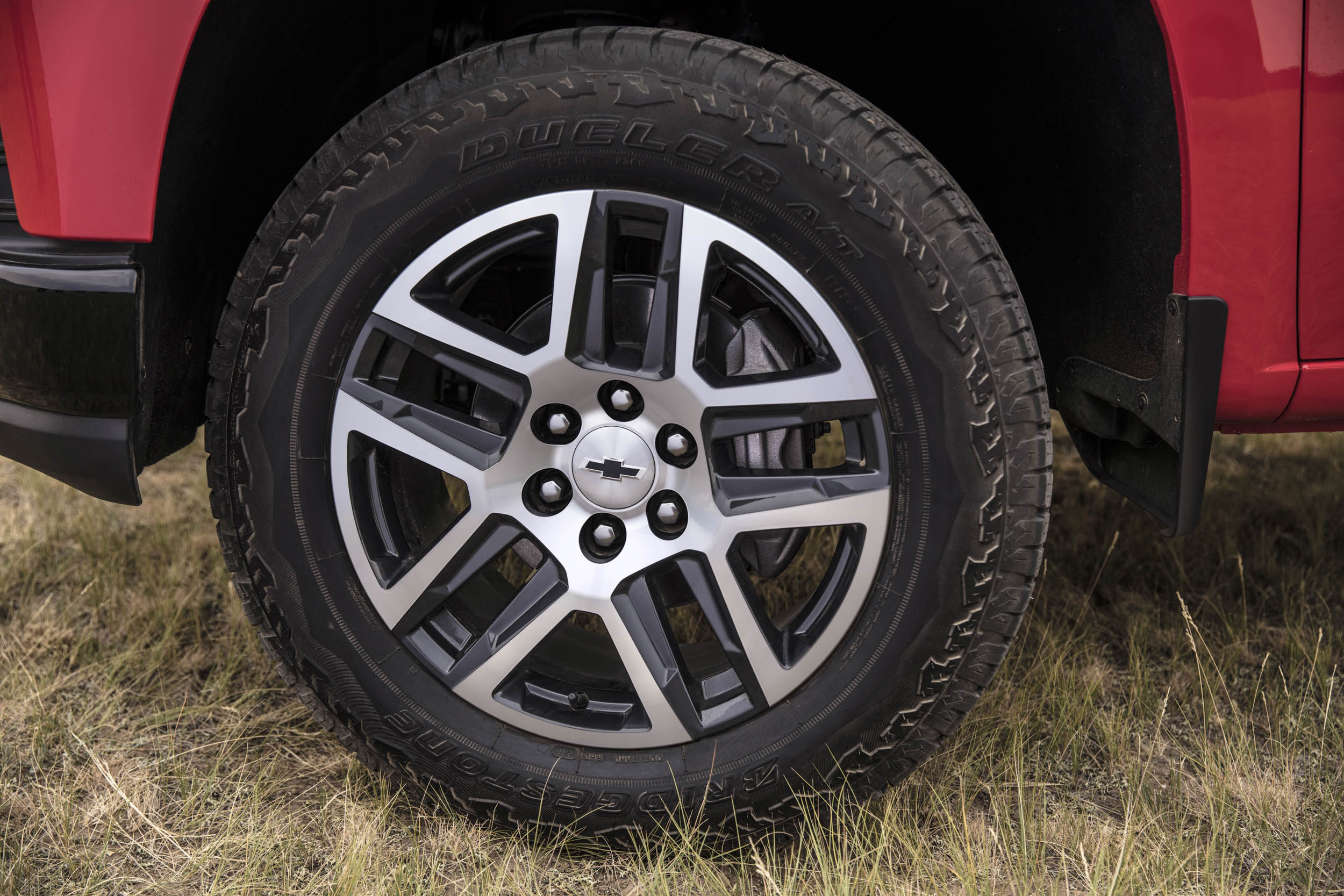 2019 chevrolet silverado Trail Boss tire