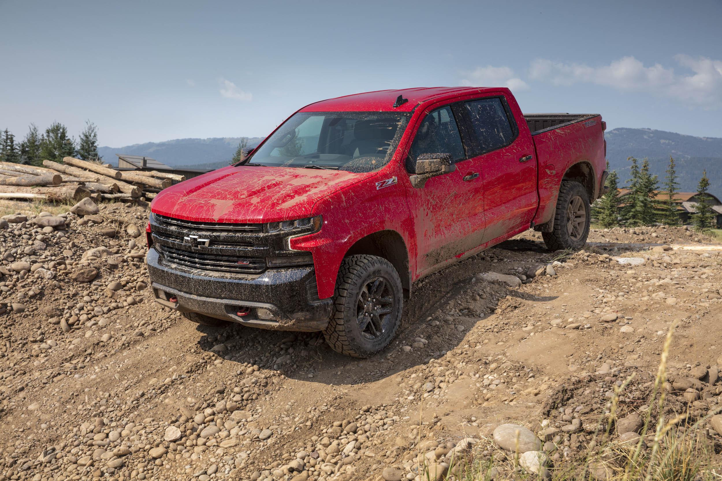 2019 chevrolet silverado Trail Boss on dirt road