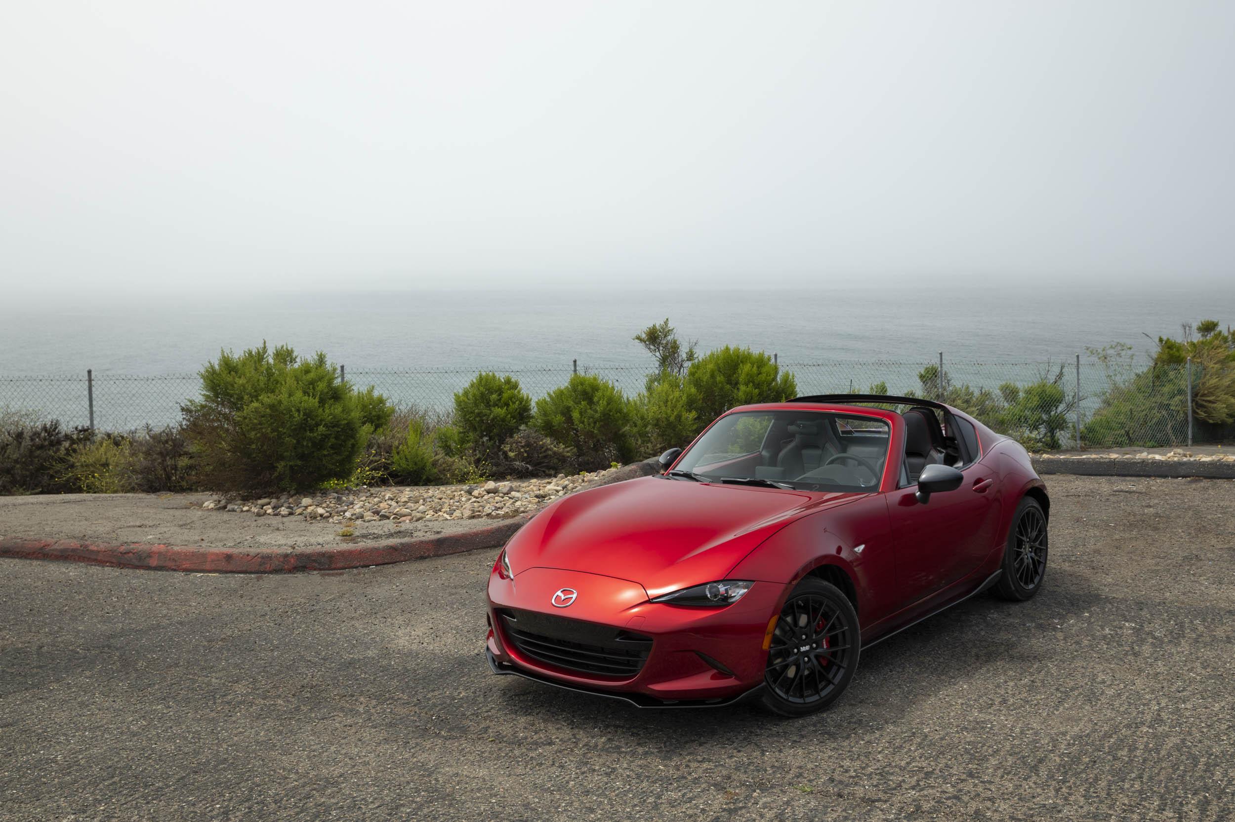 Red 2019 Mazda MX-5 Miata Roadster high 3/4