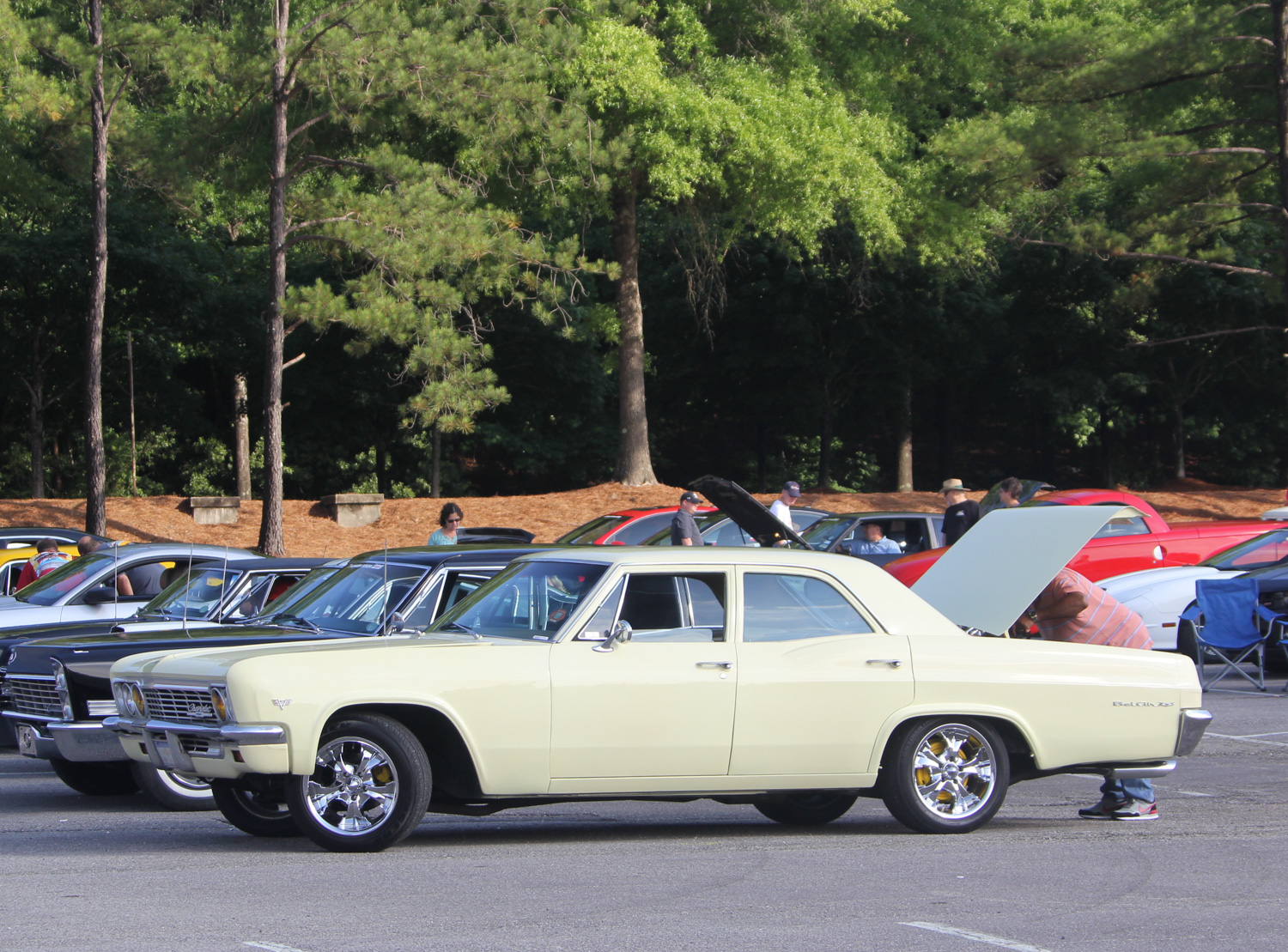 The Bel Air line was distinguished from the Biscayne by a stainless beltline and rocker moldings,  though this particular 1966 four-door sedan is missing them.