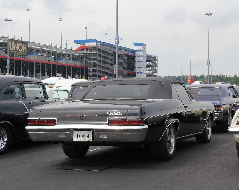 yellow b body sedan chrom wheels side
