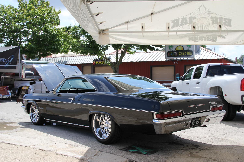 Big chrome wheels black impala hard top