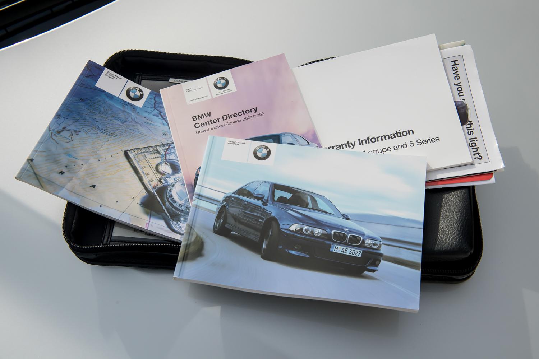 2002 m5 brochures