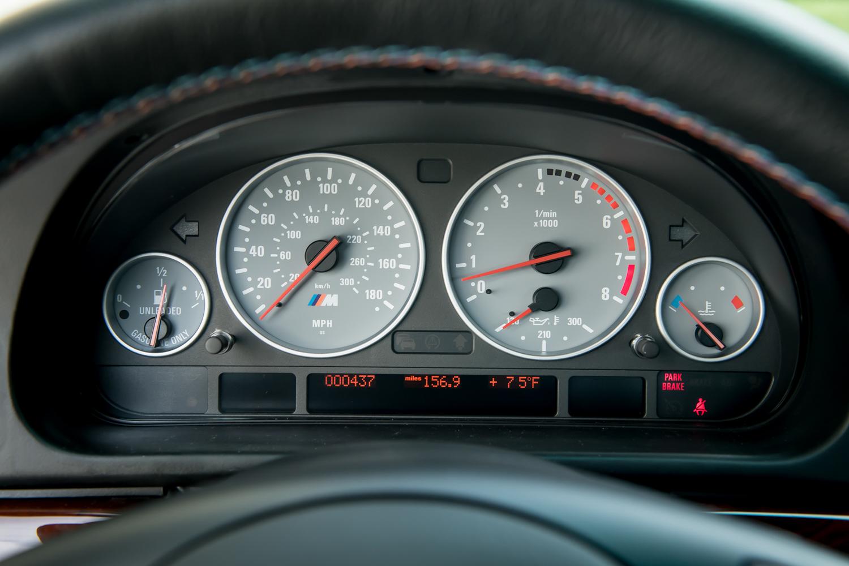 2002 m5 gauges