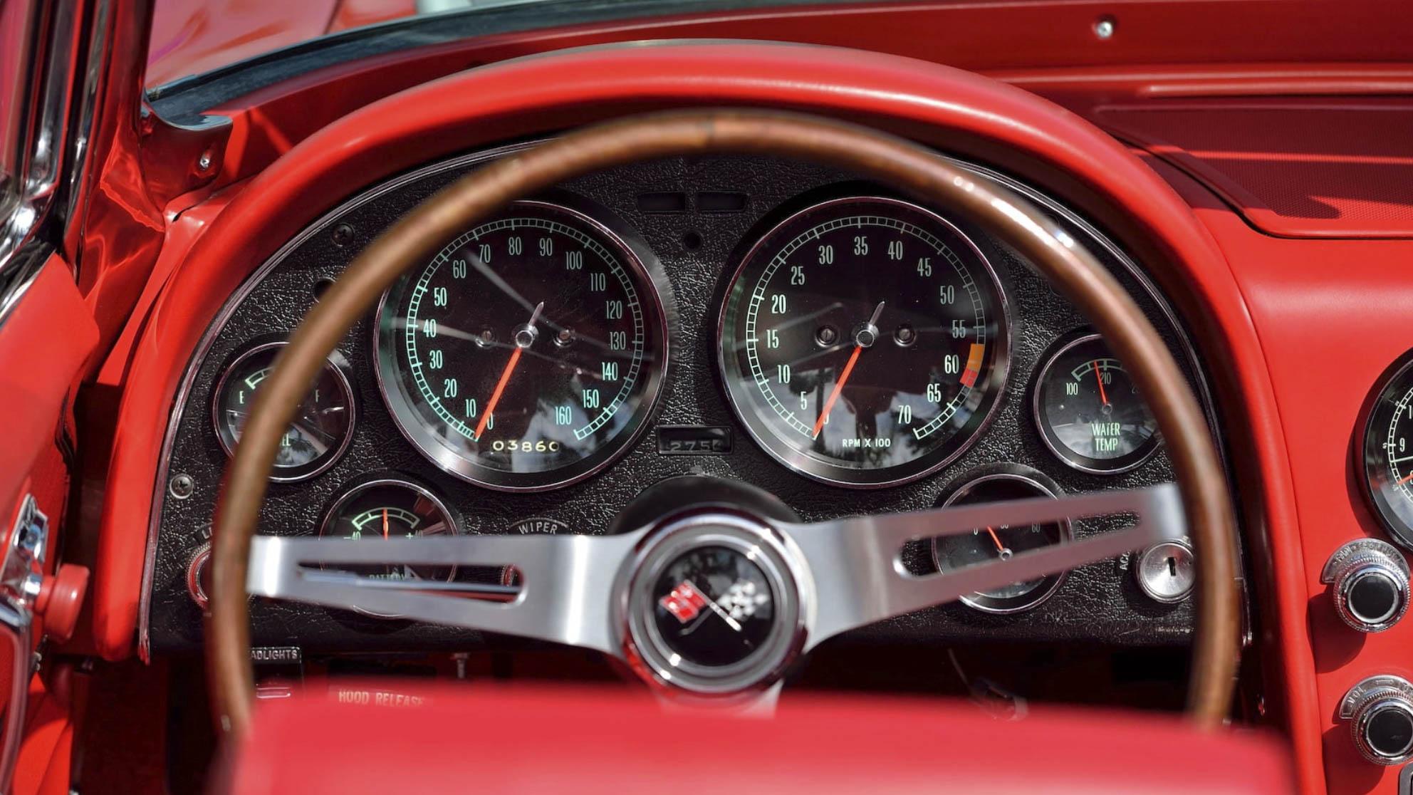 1967 Chevrolet Corvette dashboard