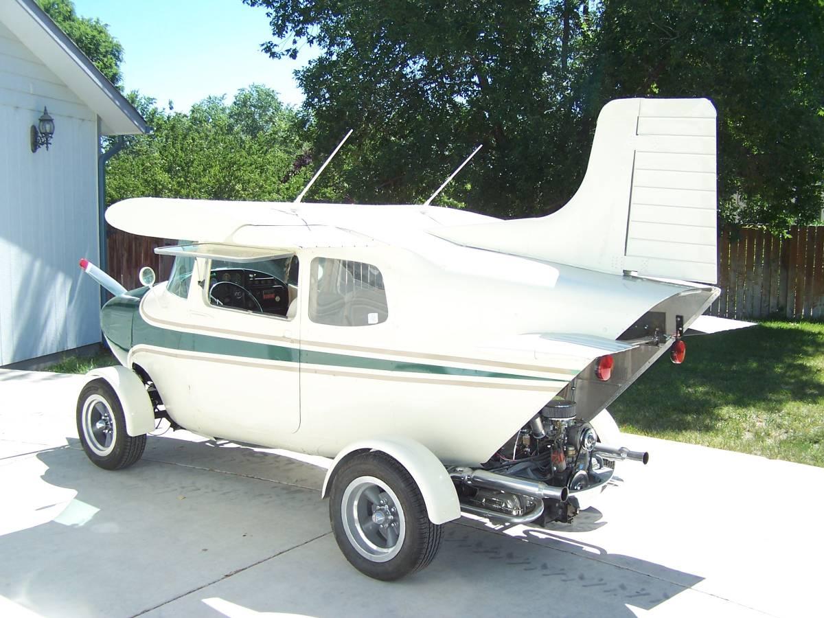 1968 VW Beetle/1959 Cessna 172 rear 3/4