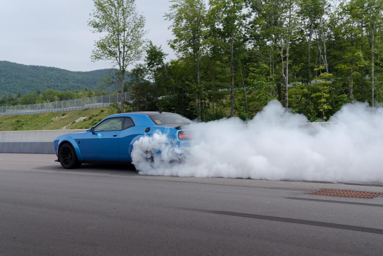 2019 Challenger SRT Hellcat Redeye Widebody burnout