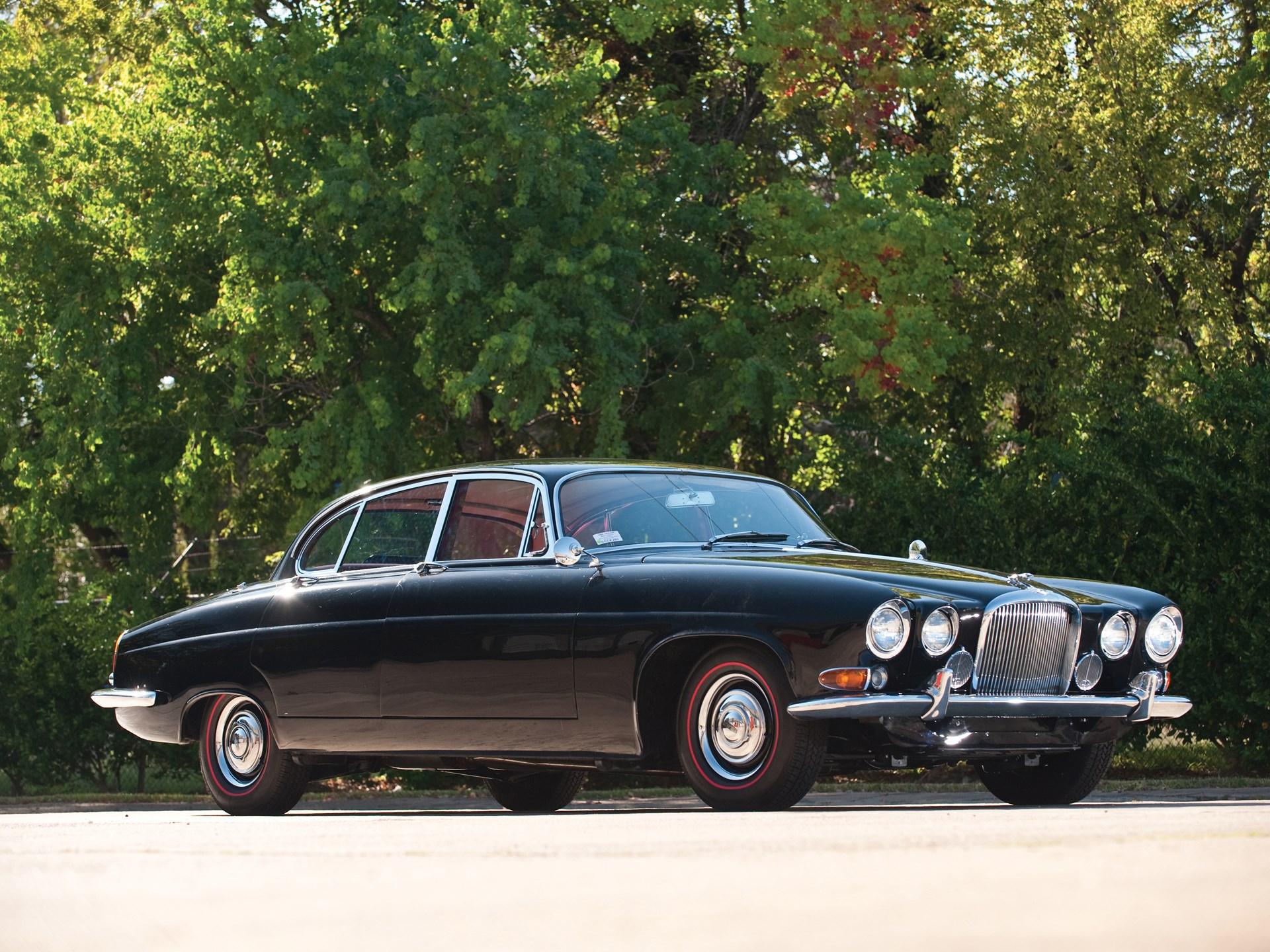 1964 Jaguar Mark X Sedan front 3/4