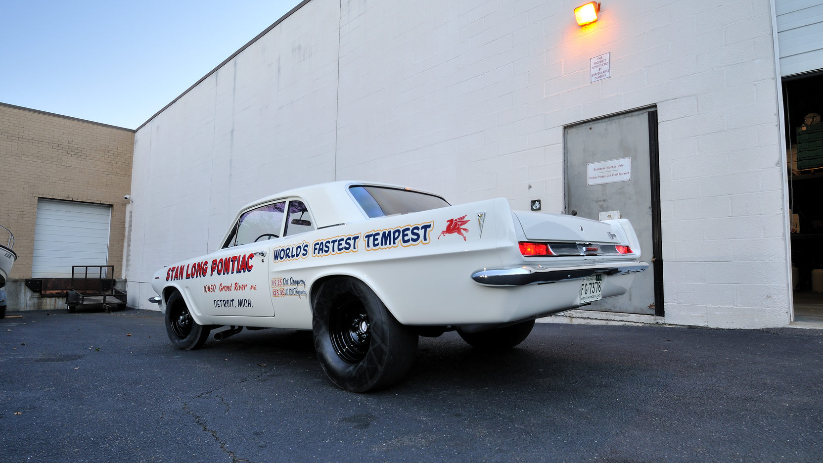 1963 Pontiac Tempest Super Duty rear 3/4 tires