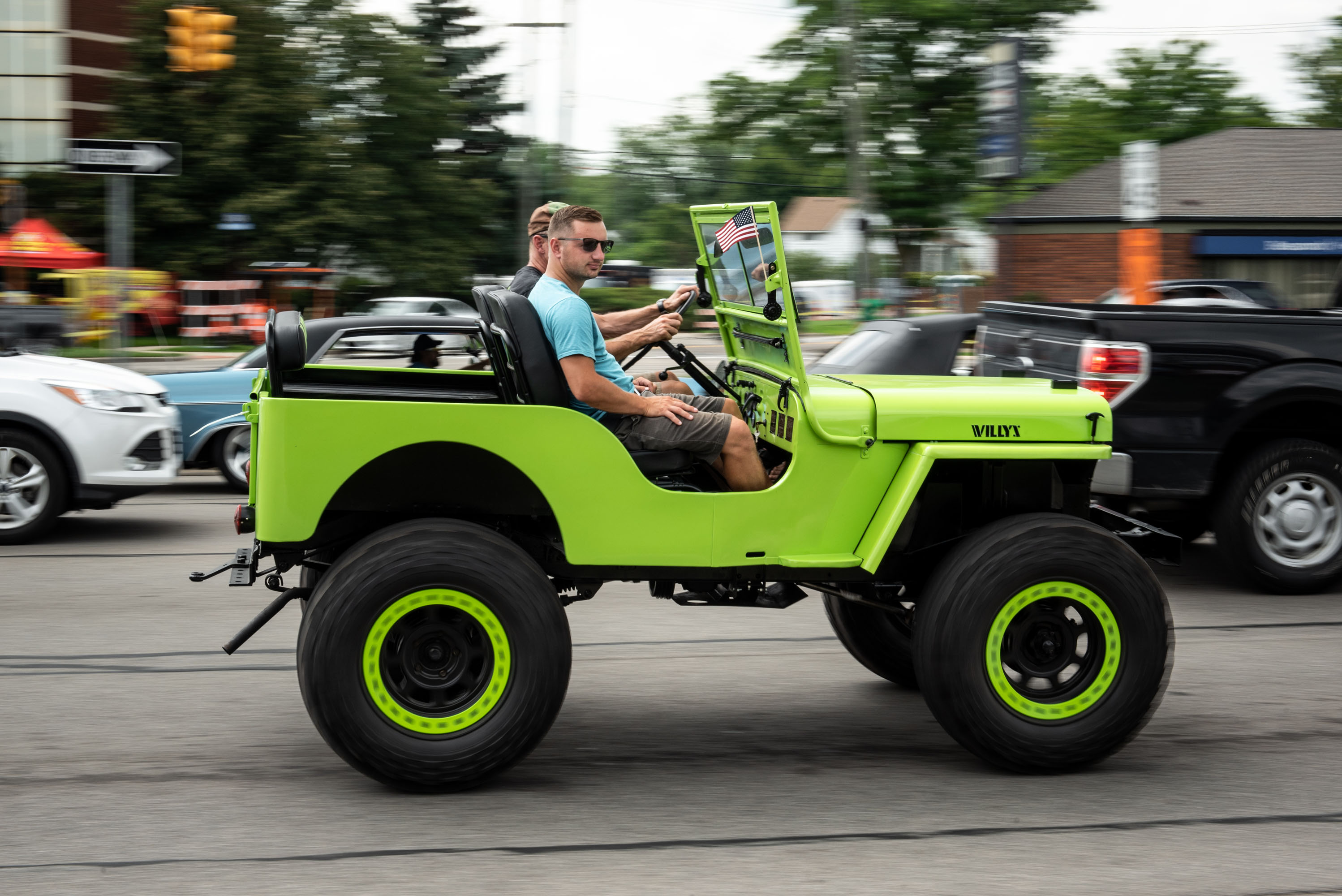 woodward dream cruise green jeep lifted